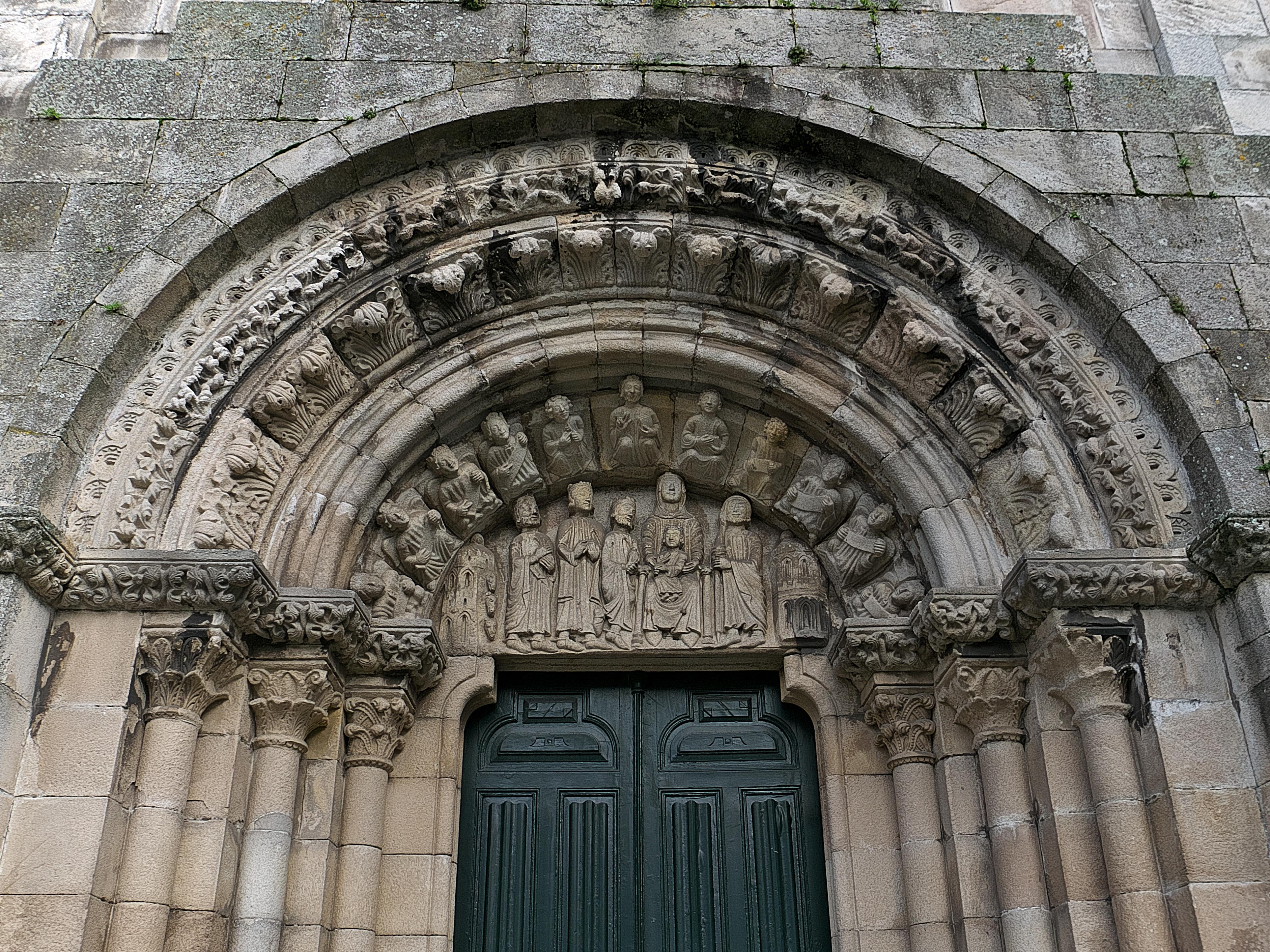 File Tímpano De La Colegiata De Santa María Del Campo La Coruña Jpg Wikimedia Commons