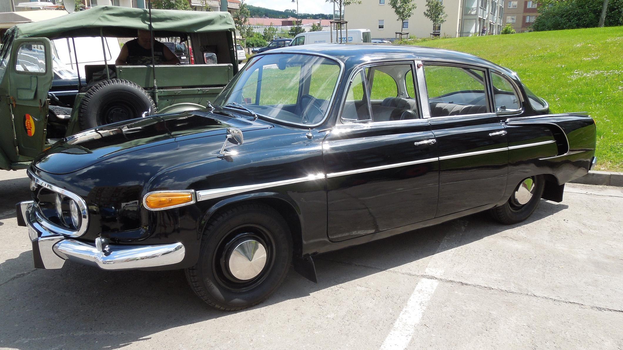 Tatra_603_%289029716631%29.jpg