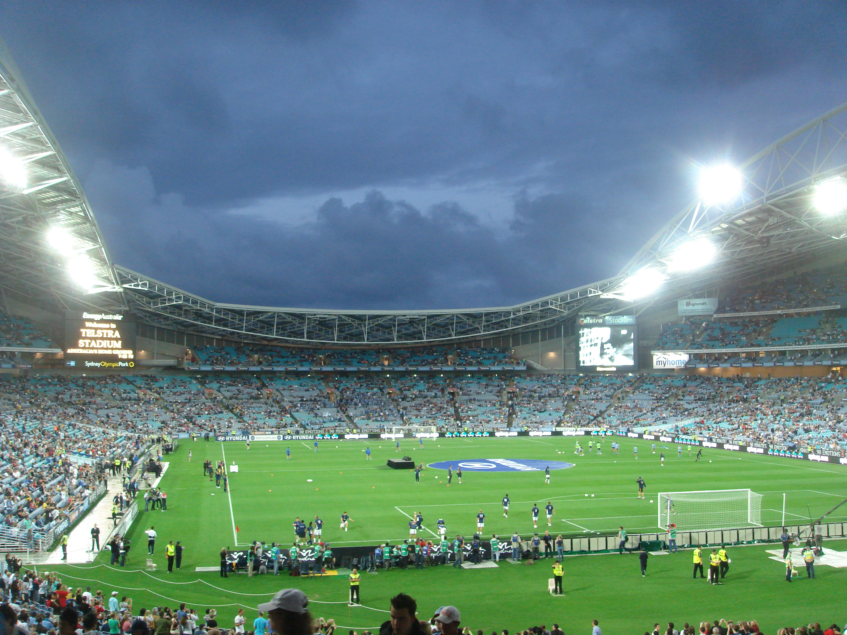 File:Telstra Stadium at Night.jpg - Wikipedia, the free encyclopedia