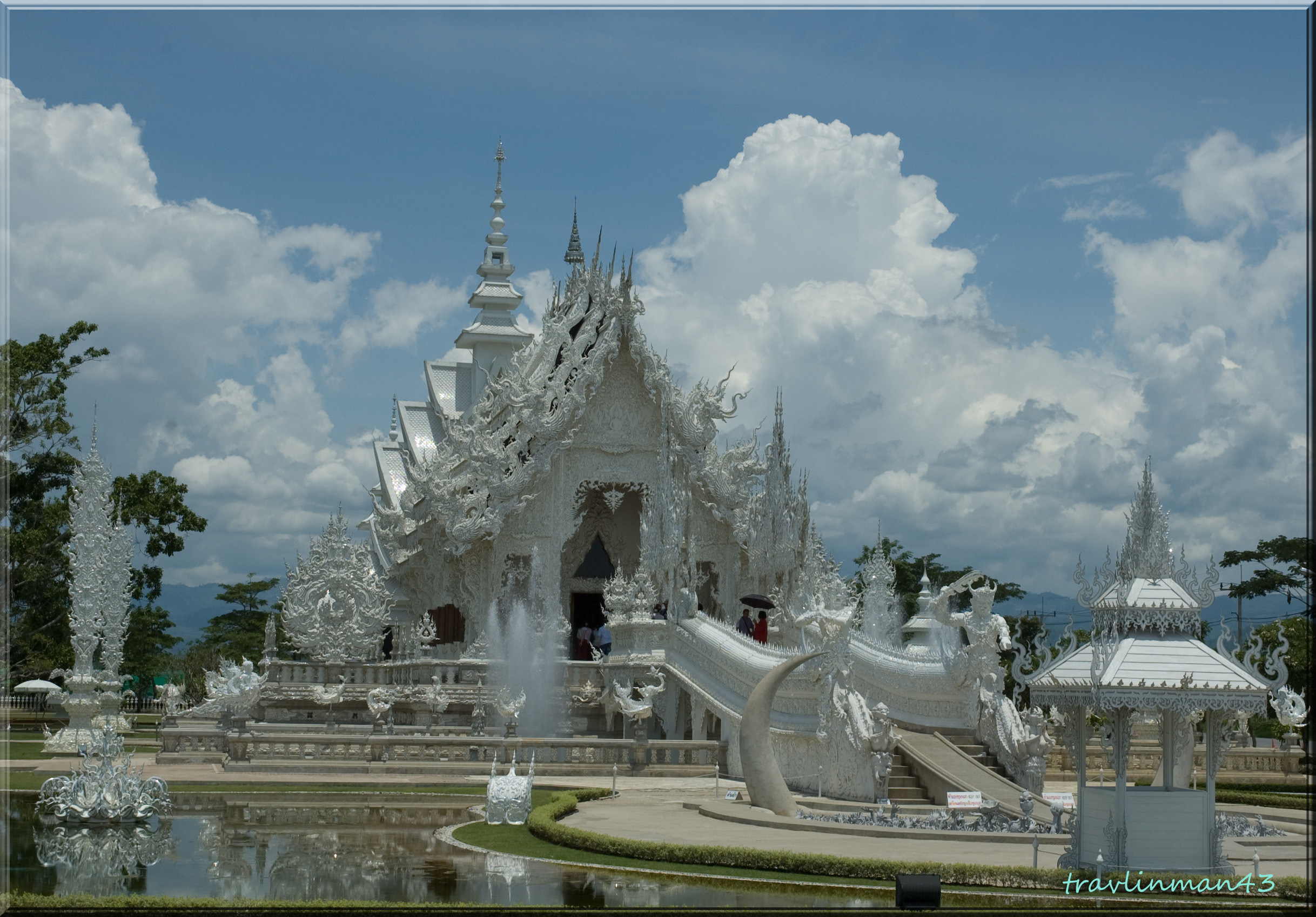 THE WHITE TEMPLE, WAT RONG KHUN, CHIANG, THAILAND