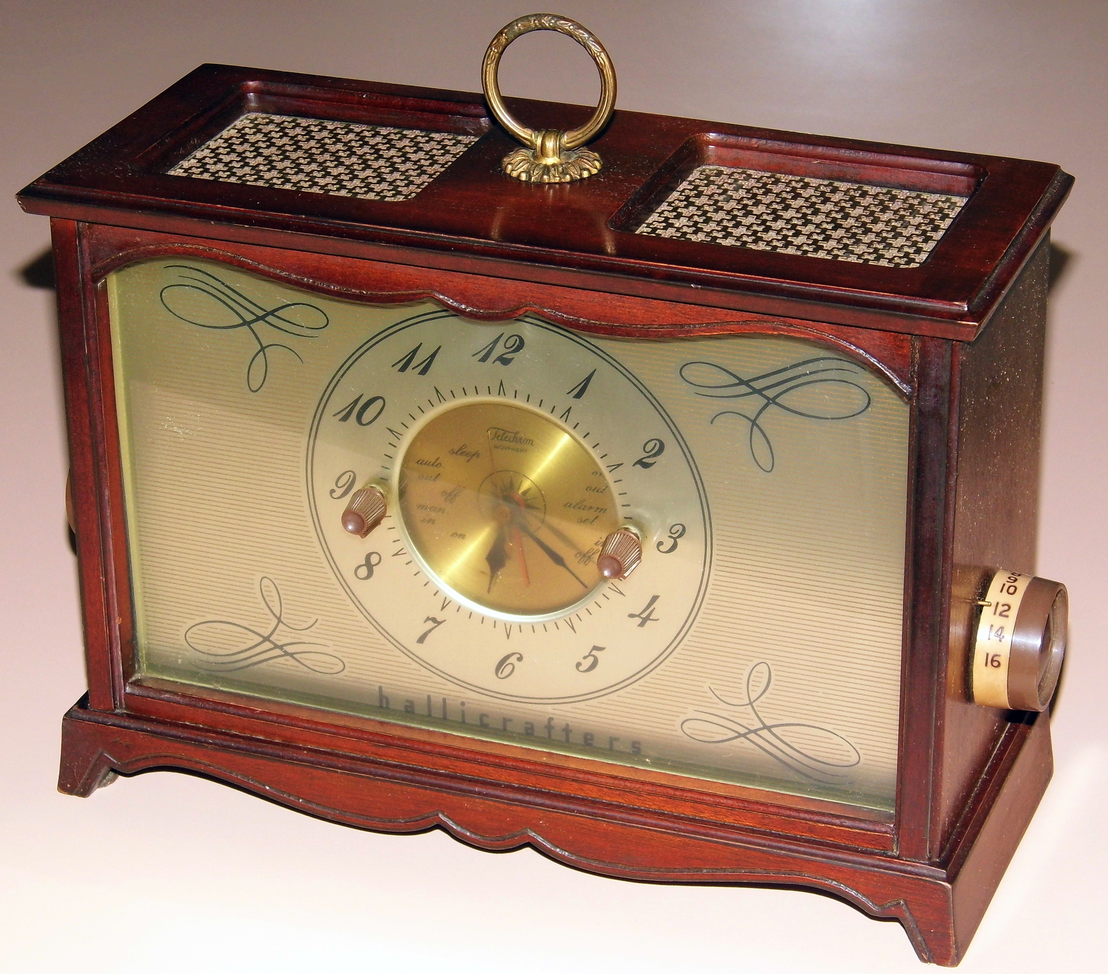 File:Vintage Hallicrafters Table Clock Radio, Model 51C1, 5 Tubes,  Broadcast Only