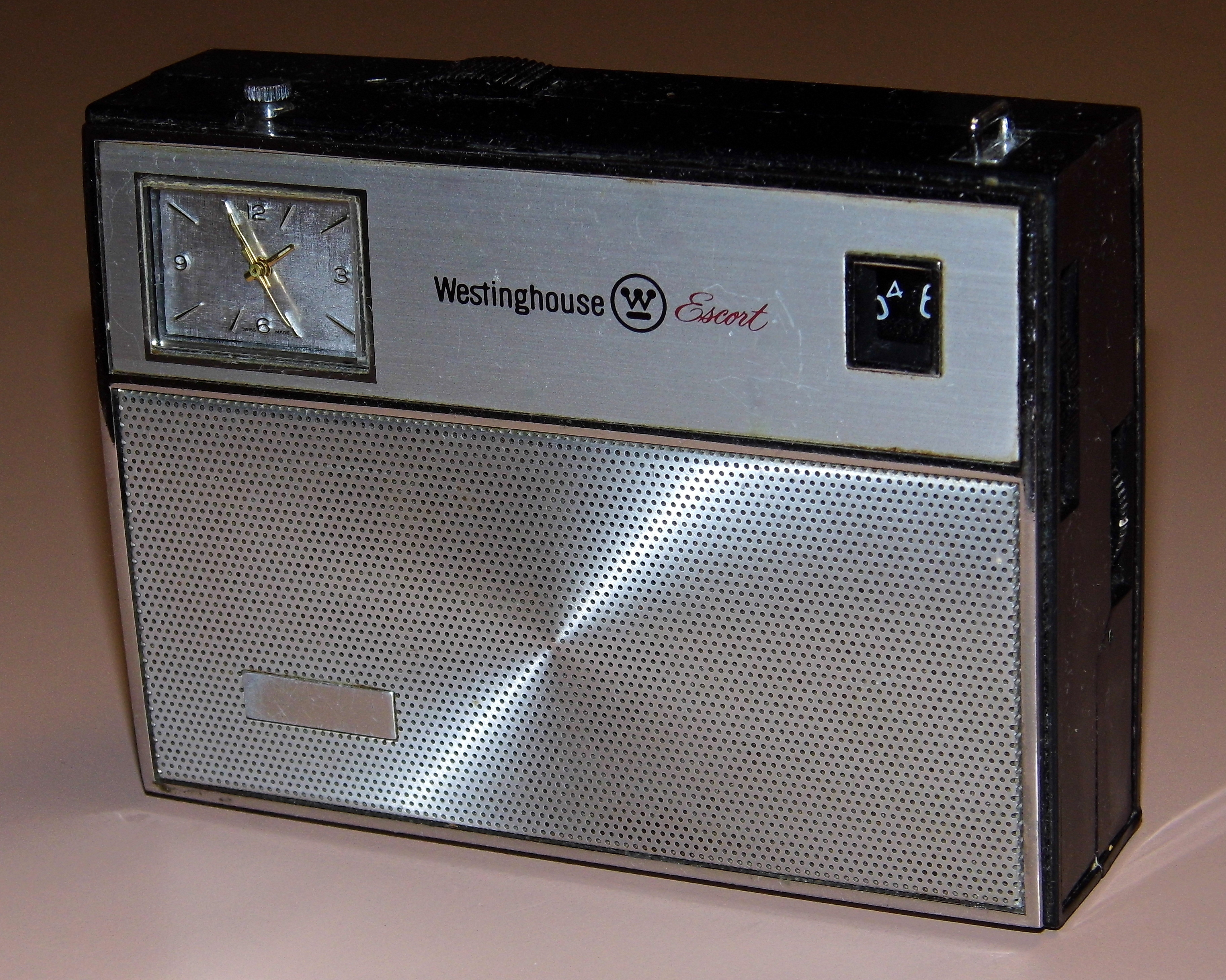 How Are Batteries Made >> File:Vintage Westinghouse Escort 8-Transistor Radio With ...