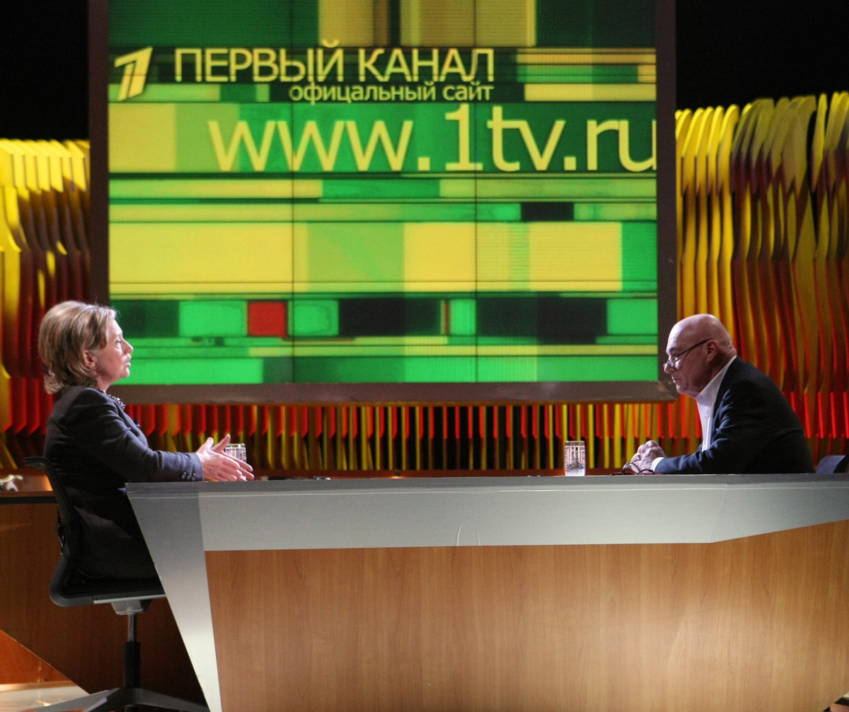 "Vladimir Posner interviews U.S. Secretary of State Hillary Rodham Clinton on the ""Posner Show"" in Moscow, 19 March 2010"