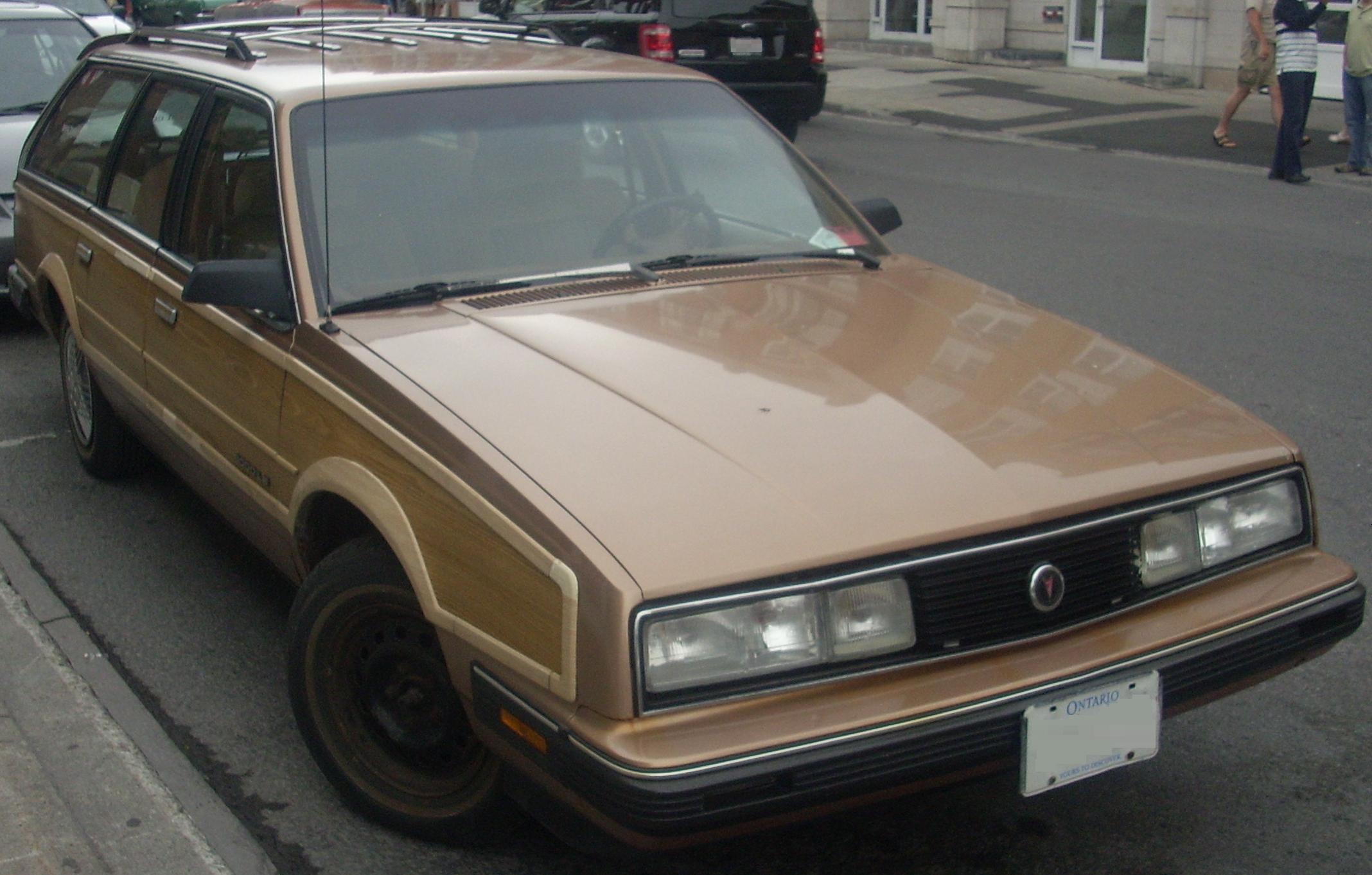 %2789-%2791_Pontiac_6000_Safari_Front_%2