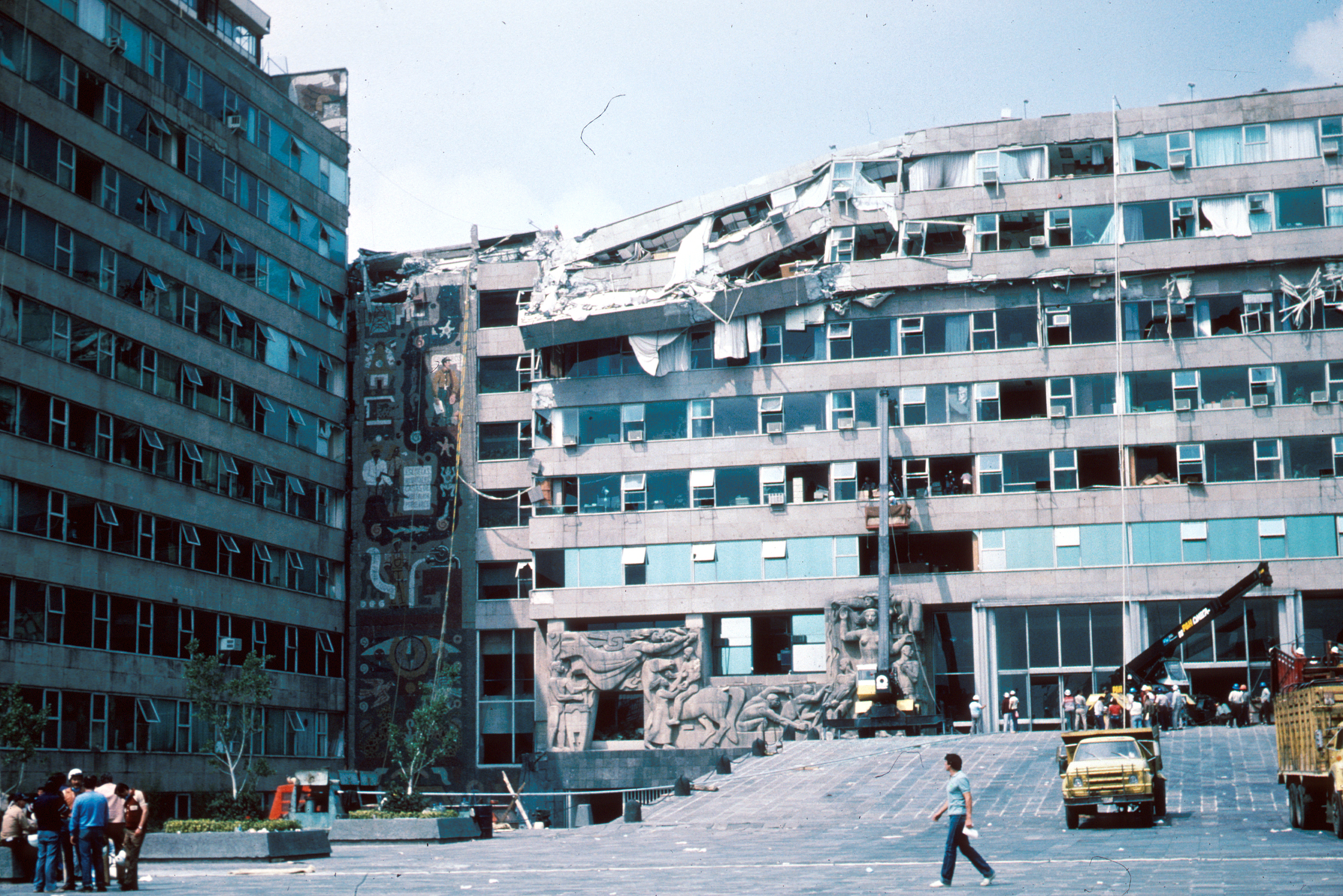 File:1985 Mexico Earthquake - Ministry of ...