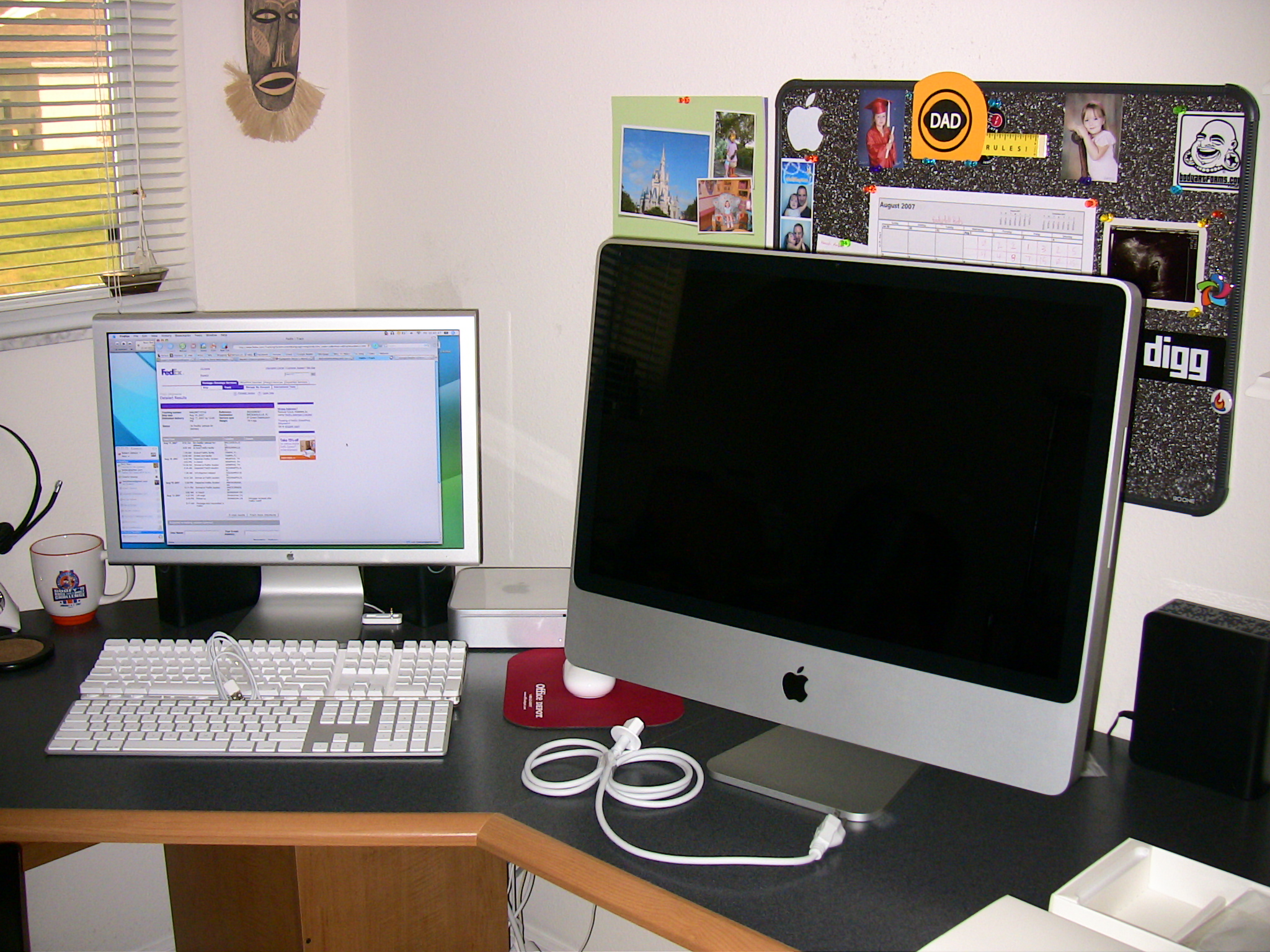 File 24 inch imac wikimedia commons - Desk for inch imac ...