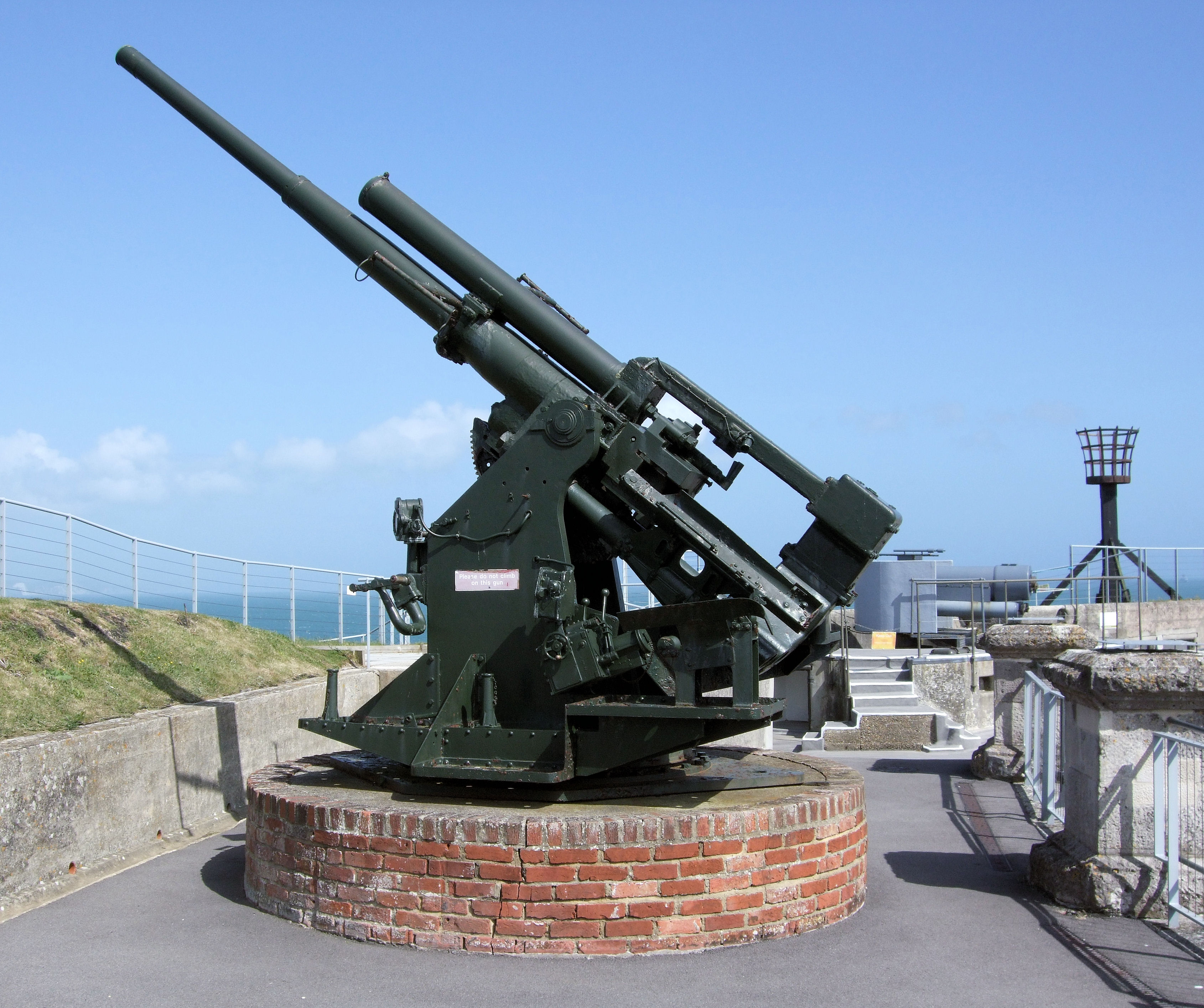 File:3.7 Inch Anti-Aircraft Gun, Nothe Fort, Weymouth.jpg ...