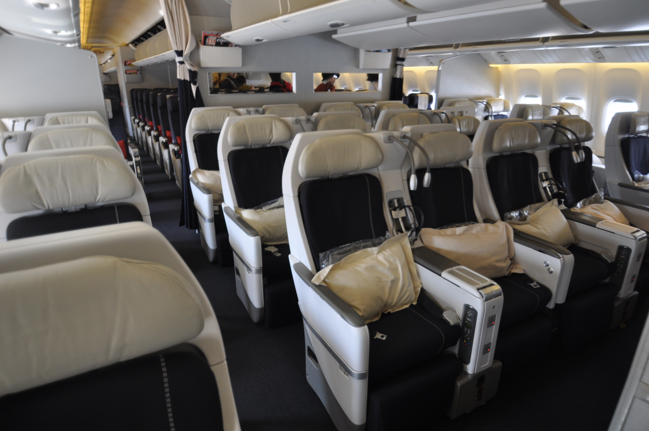 File air france aviation premium economy class b777 300er jpg for Air france vol interieur