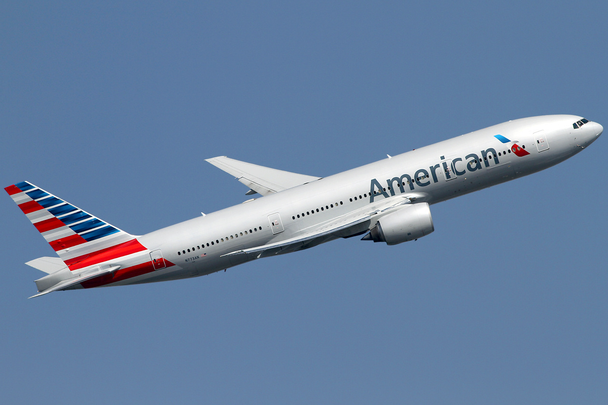 fileamerican airlines boeing 777200er n773an lhr 201403