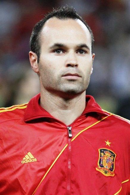 Andr%C3%A9s_Iniesta_Euro_2012_vs_France_01.jpg