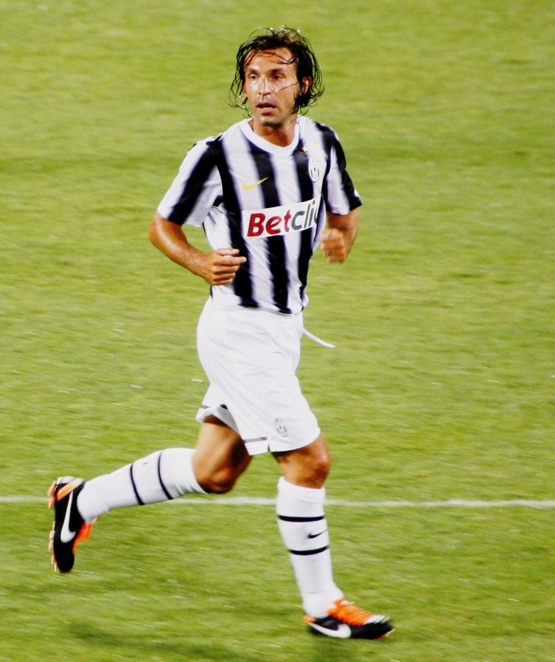 File Andrea Pirlo in Juventus 2 Wikimedia mons