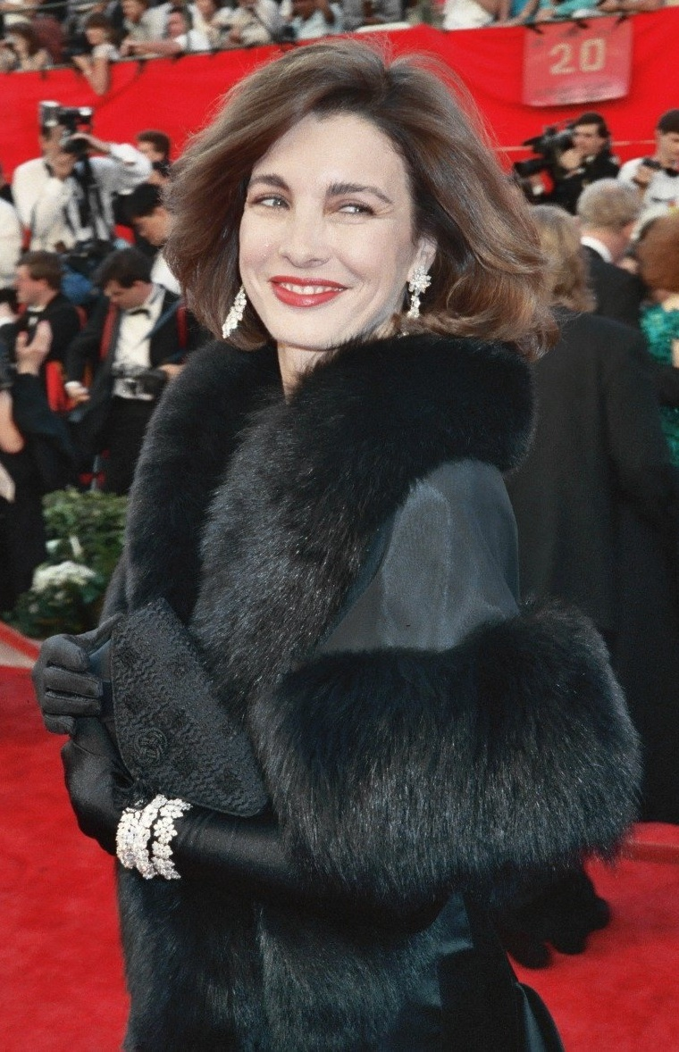 The 71-year old daughter of father John Archer and mother Marjorie Lord Anne Archer in 2018 photo. Anne Archer earned a  million dollar salary - leaving the net worth at 10 million in 2018