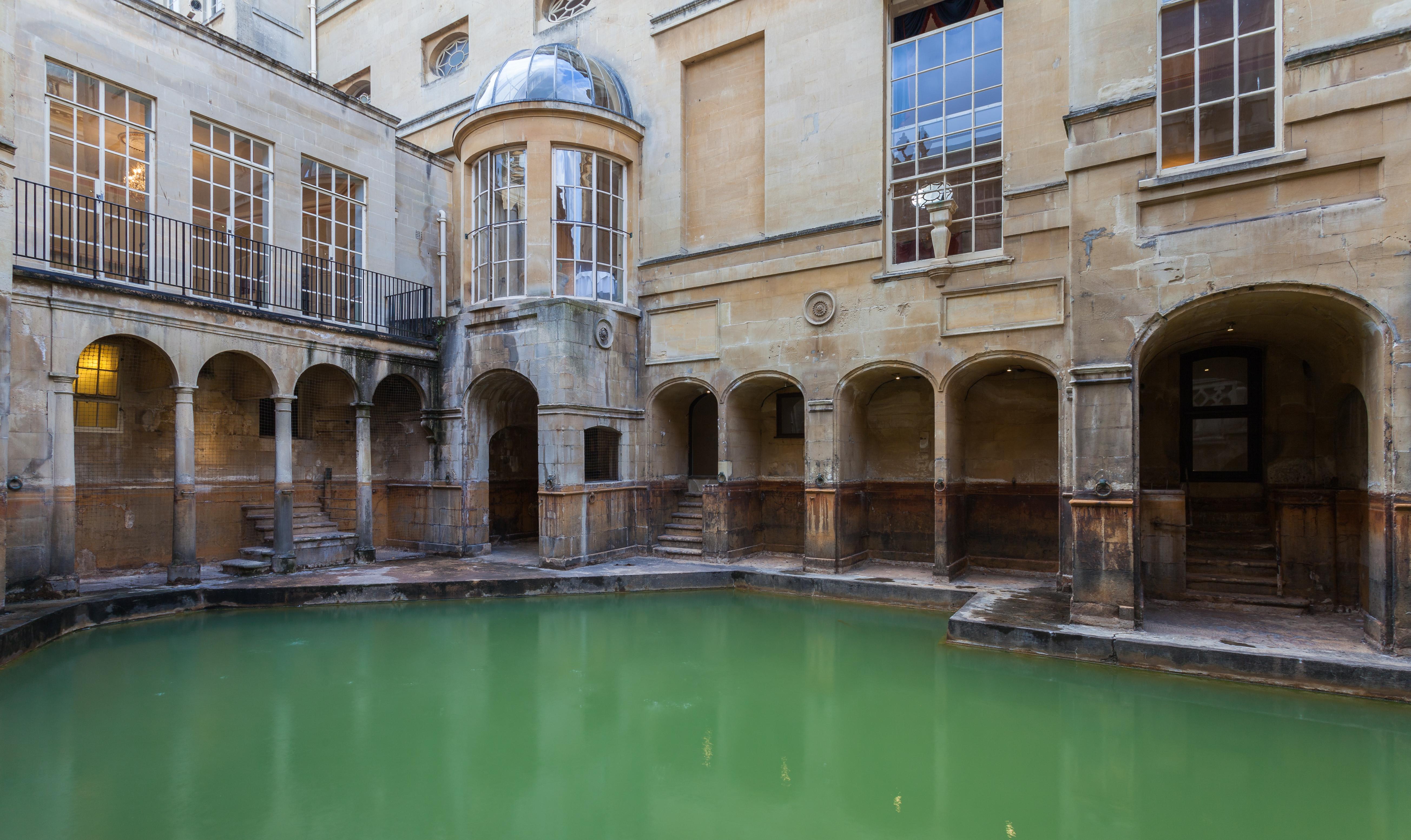 File:Baño del Rey, Baños Romanos, Bath, Inglaterra, 2014 ...
