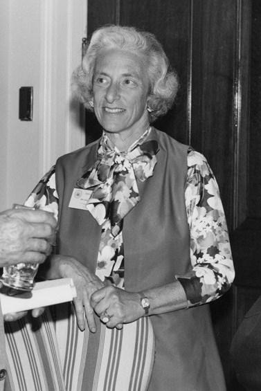 Barbara wertheim tuchman 1912 1989 auteur ressources for Un lointain miroir