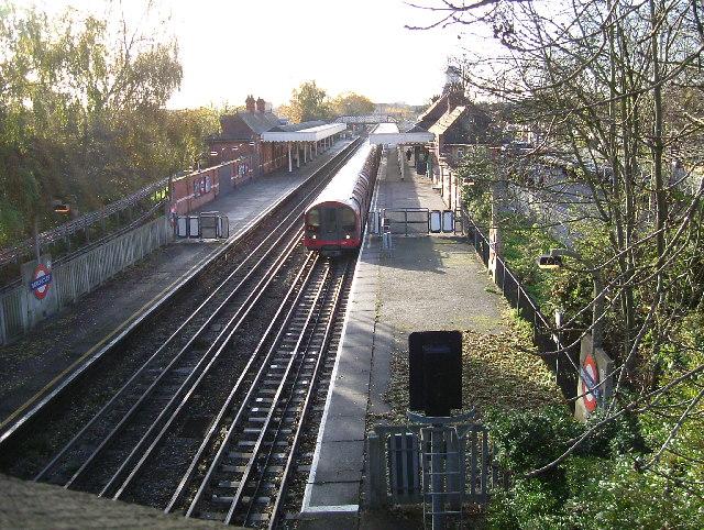 Barkingside Station - geograph.org.uk - 87642