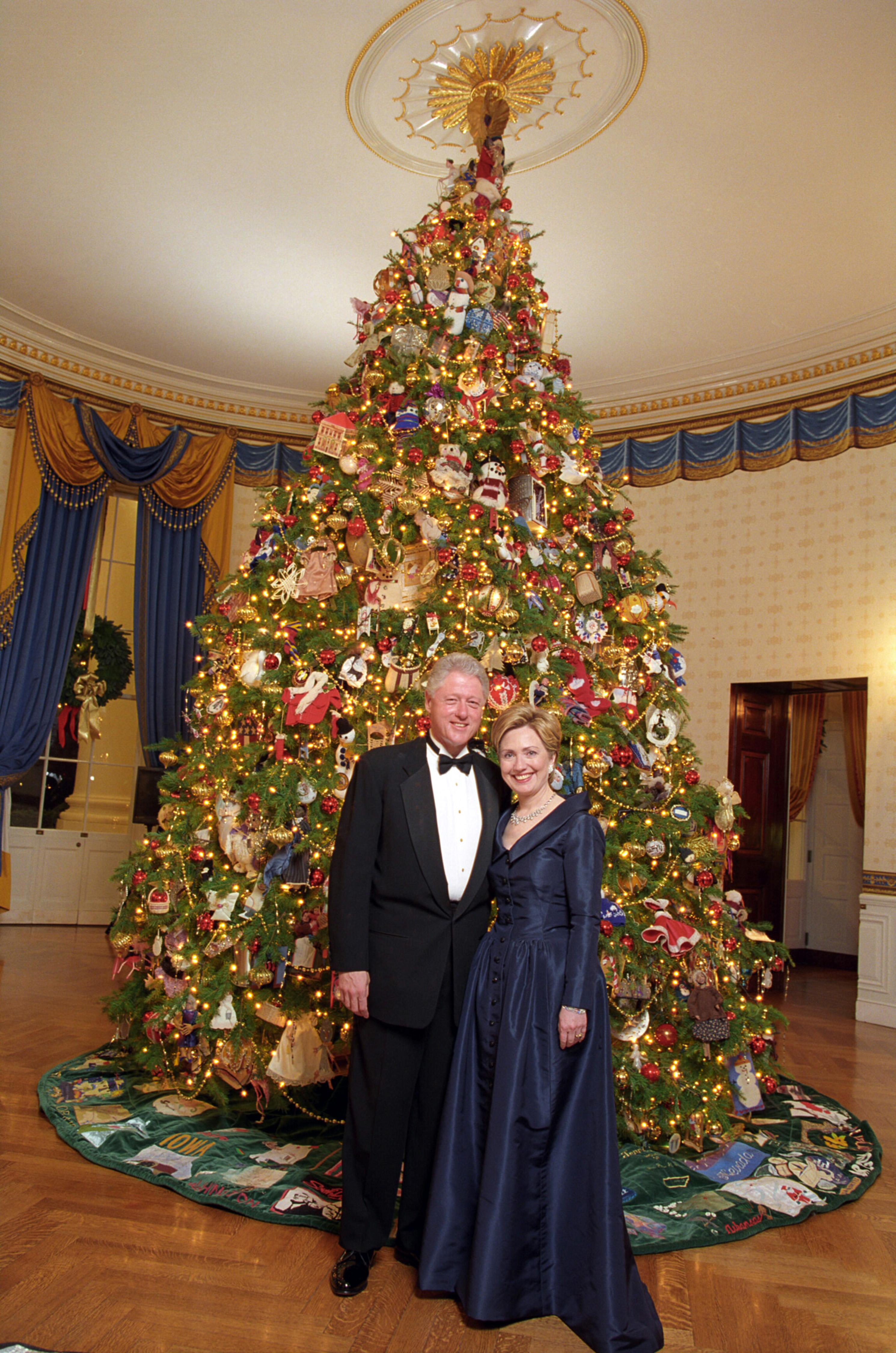 Hillary Clinton Christmas.File Bill And Hillary Clinton Christmas Portrait 2000 Jpg