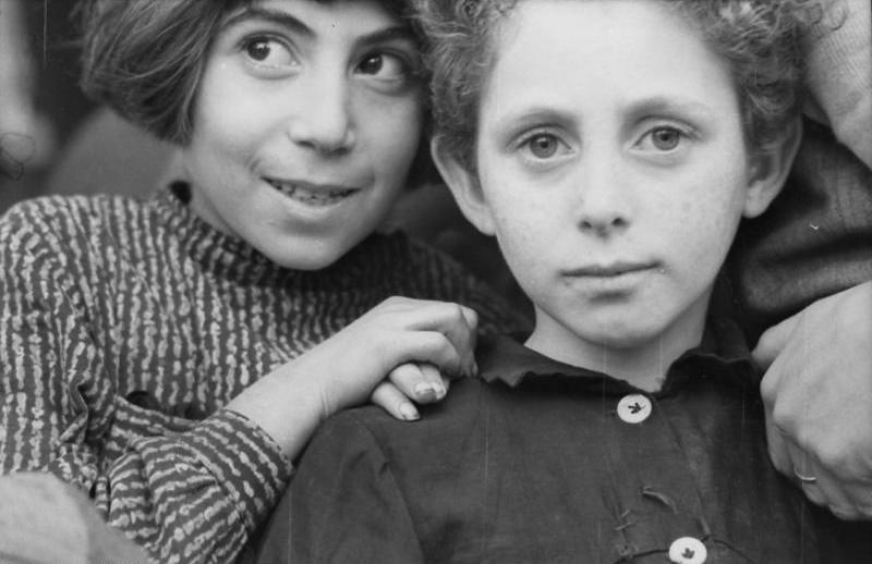 Enfants juifs polonais à Varsovie en 1939.