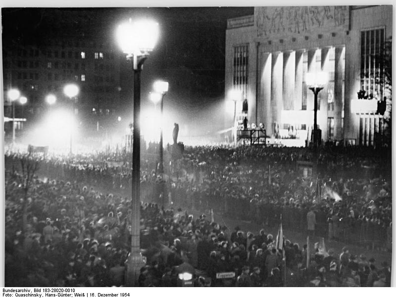 The 'Deutsche Sporthalle' (December 1954)