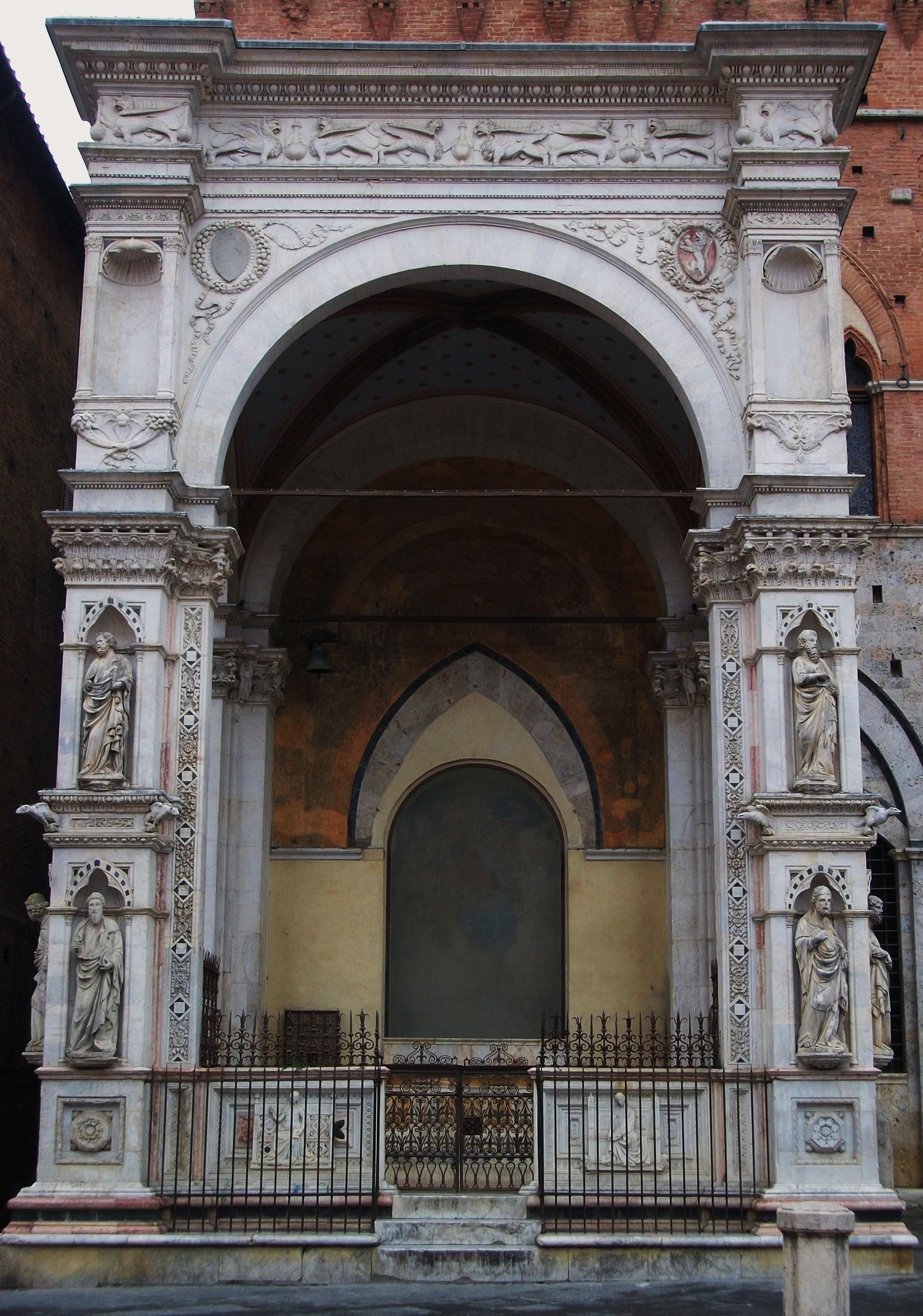 Cappella di Piazza del Palau Públic de Siena.JPG
