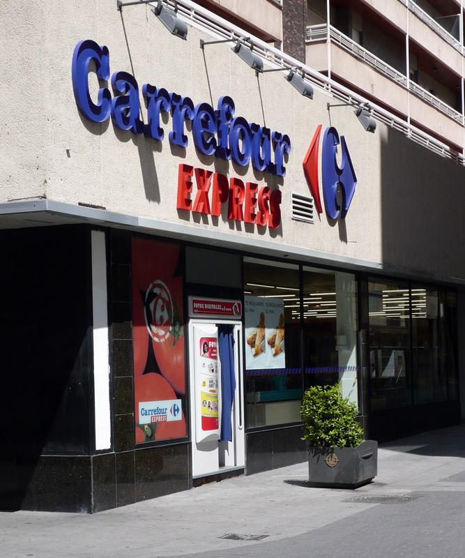 Carrefour creará 580 puestos de trabajo en España en 2014