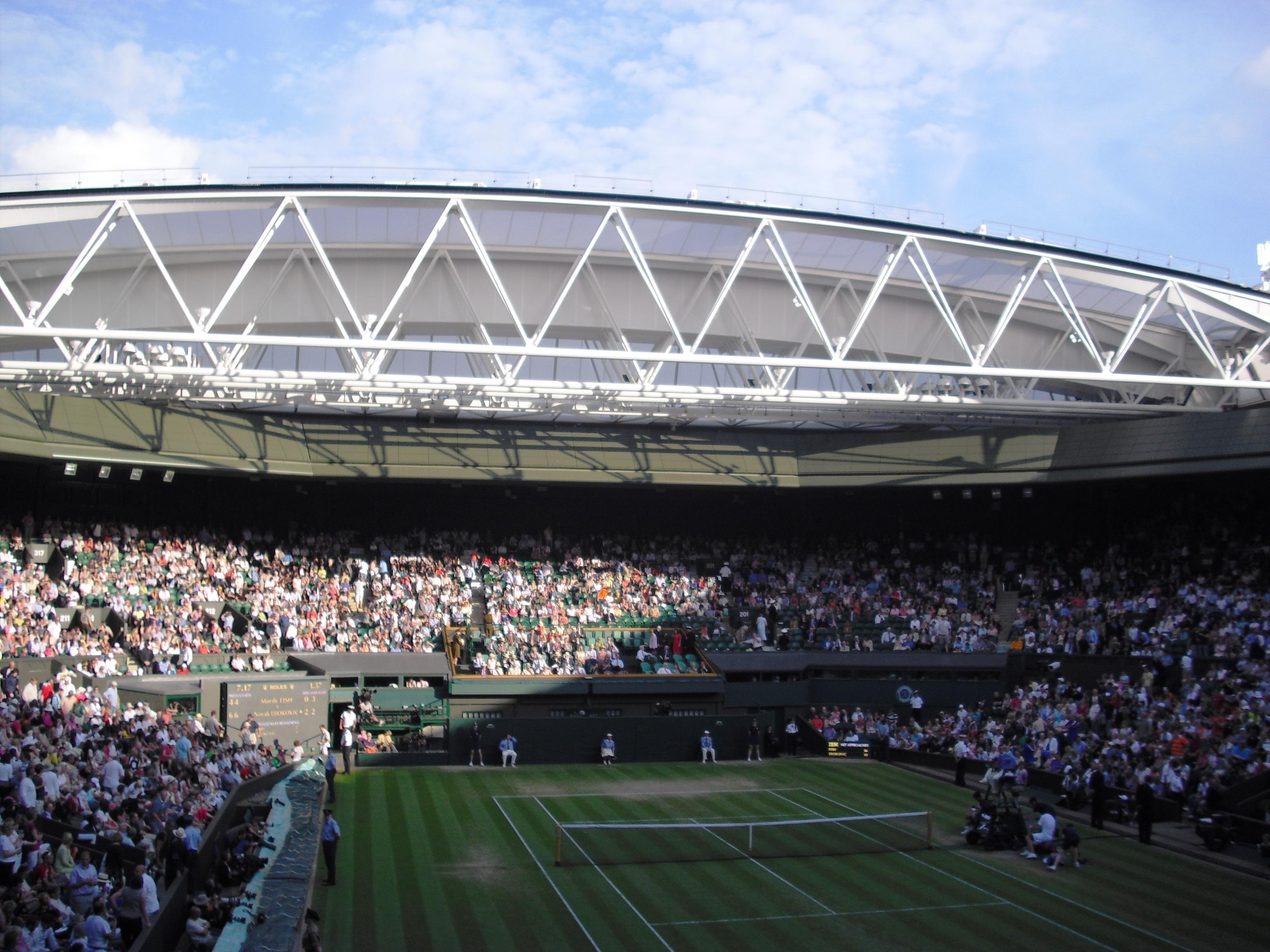 Nella foto: Il nuovo Centre Court (campo principale) dotato di tetto retraibile che viene azionato in caso di pioggia.