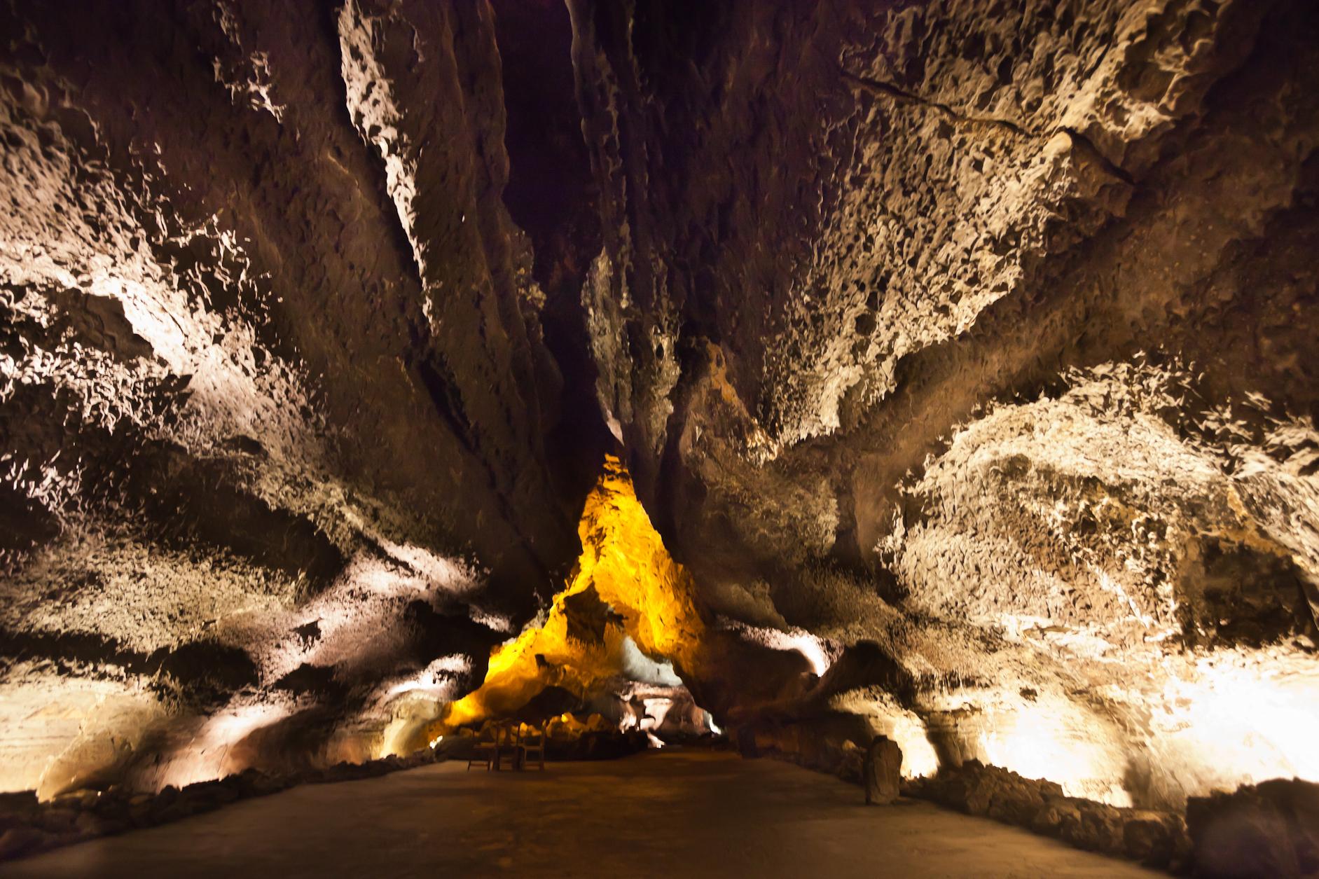 File:Cueva de los Verdes - Lanzarote - CV19.jpg - Wikimedia Commons