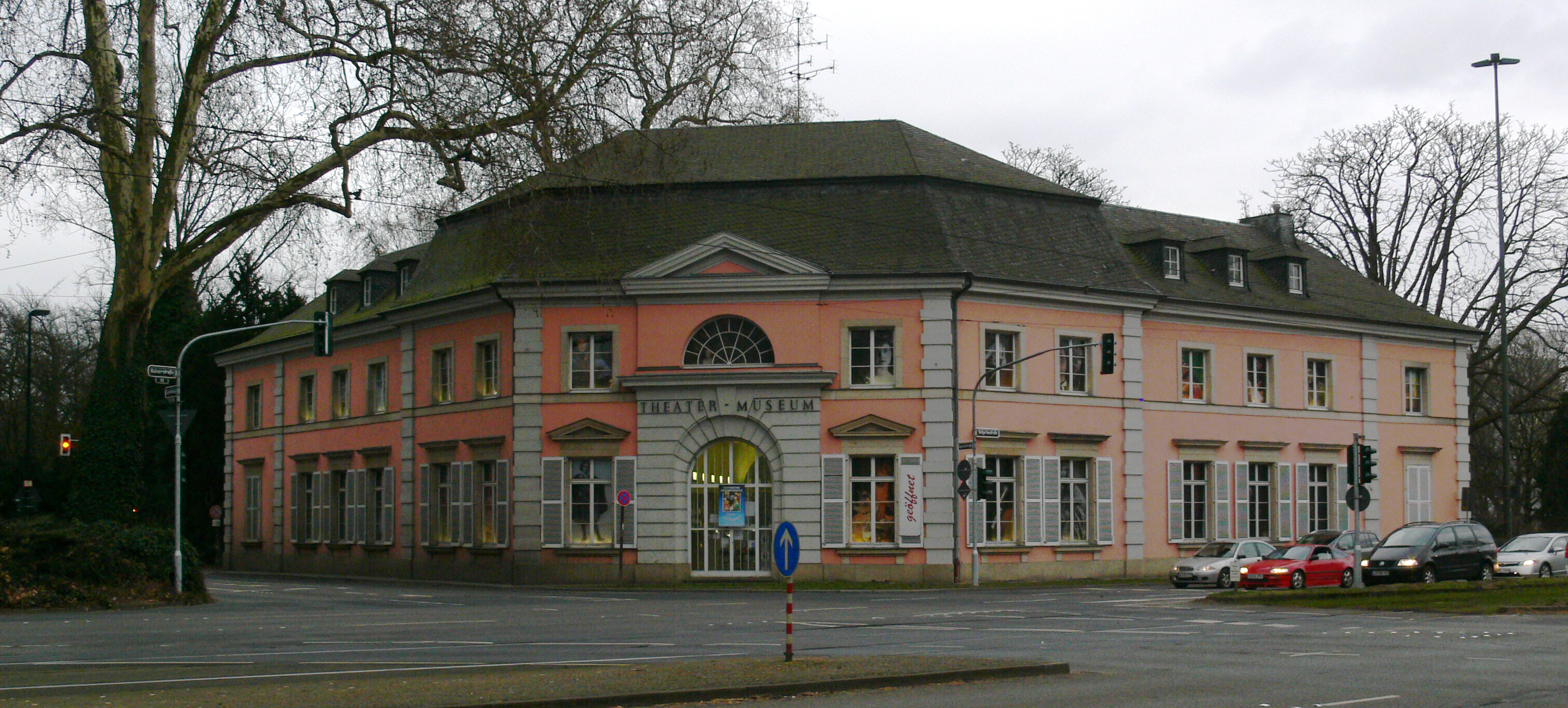 Düsseldorf Theatermuseum.jpg
