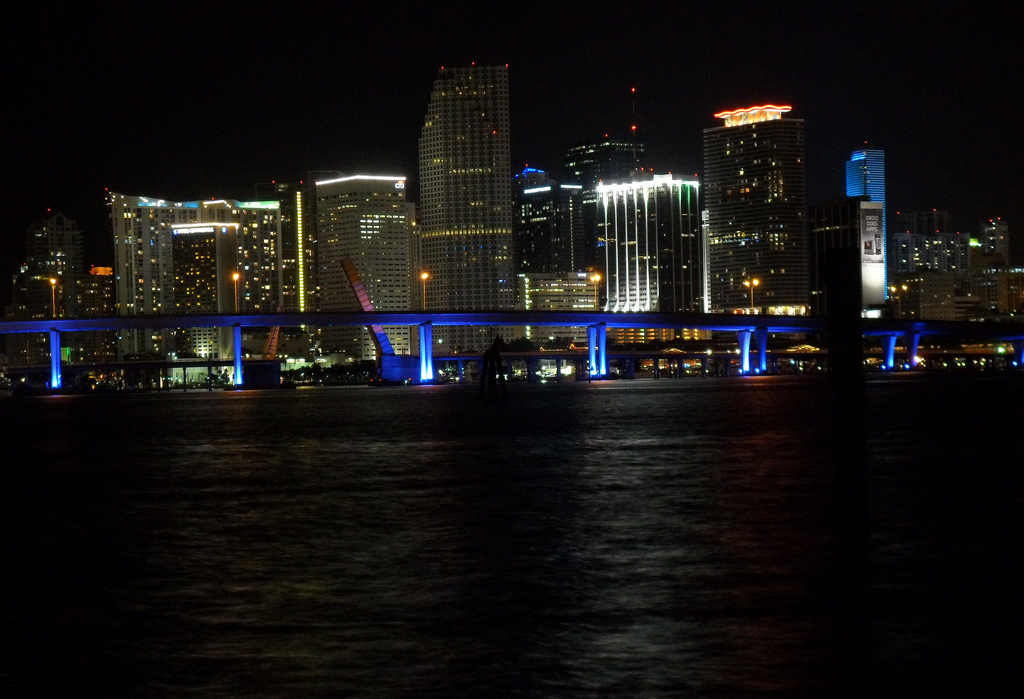 File:Downtown Miami, Florida skyline viewed at night over the Biscayne Bay.jpg