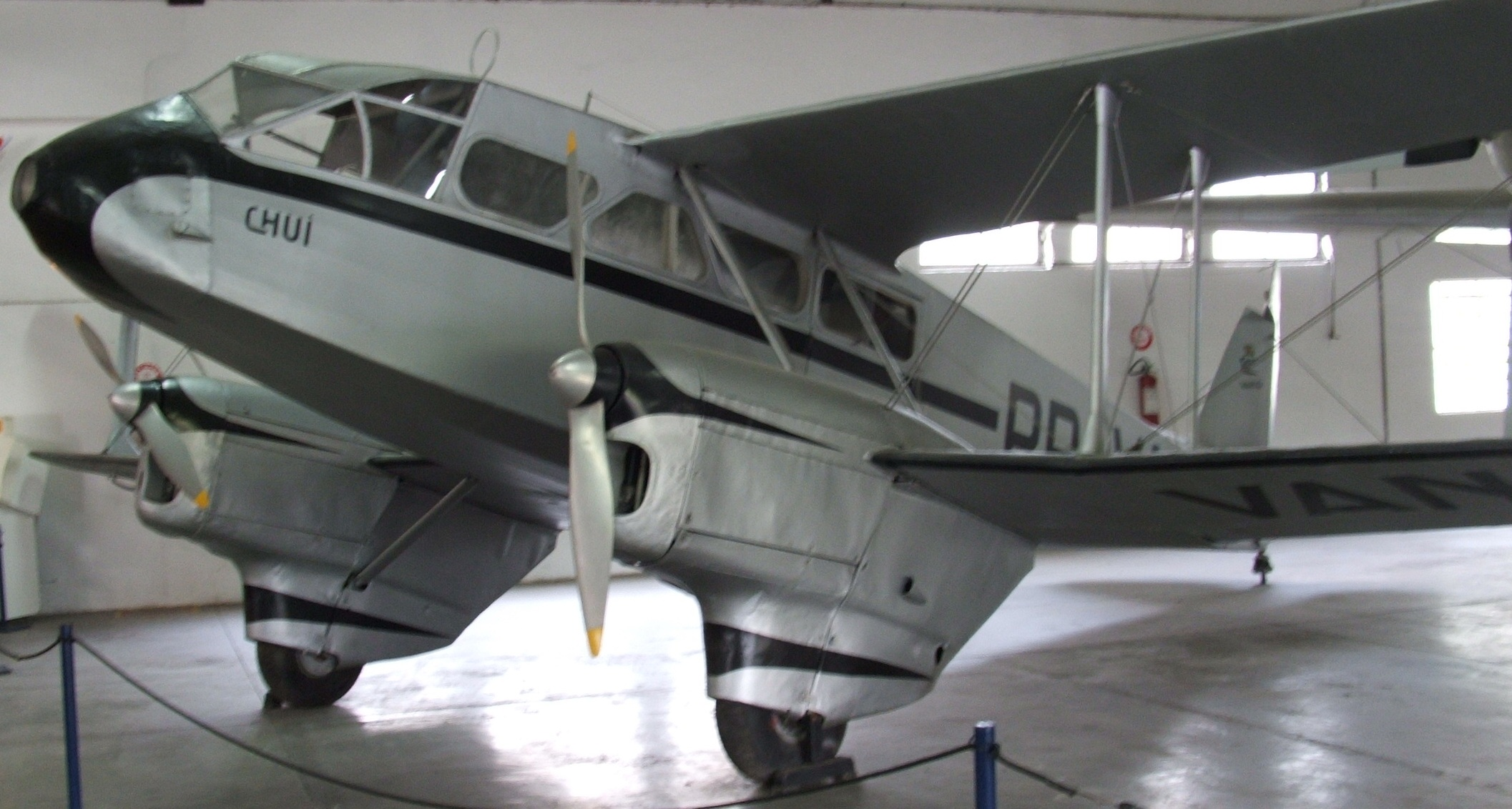 Resultado de imagem para avião De Havilland Dragon Rapide