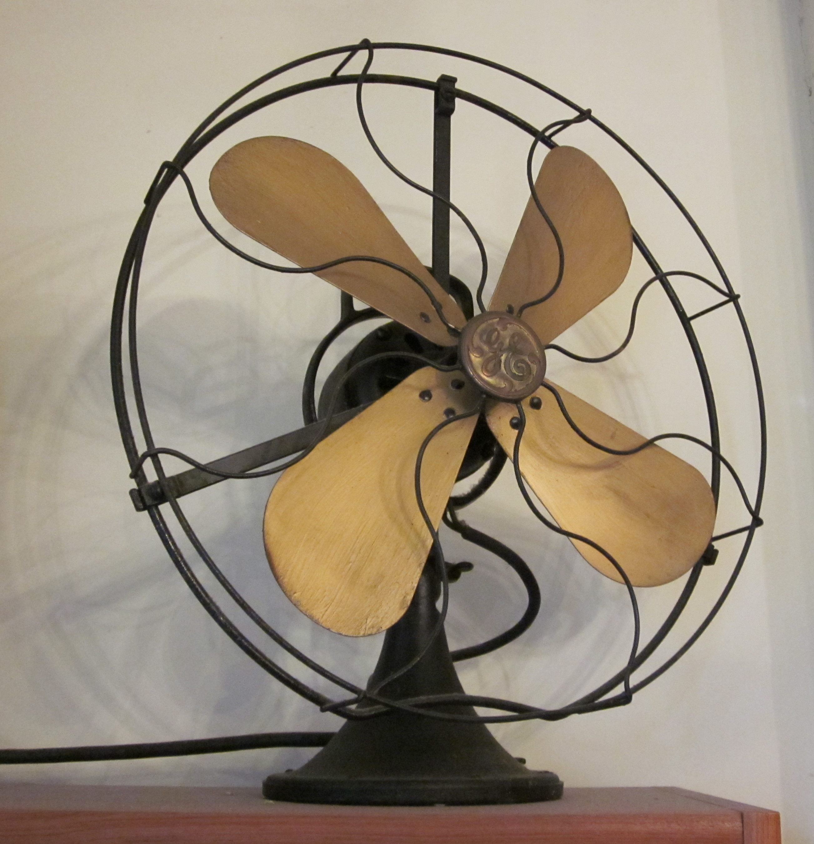 First Electric Fan : First electric fan