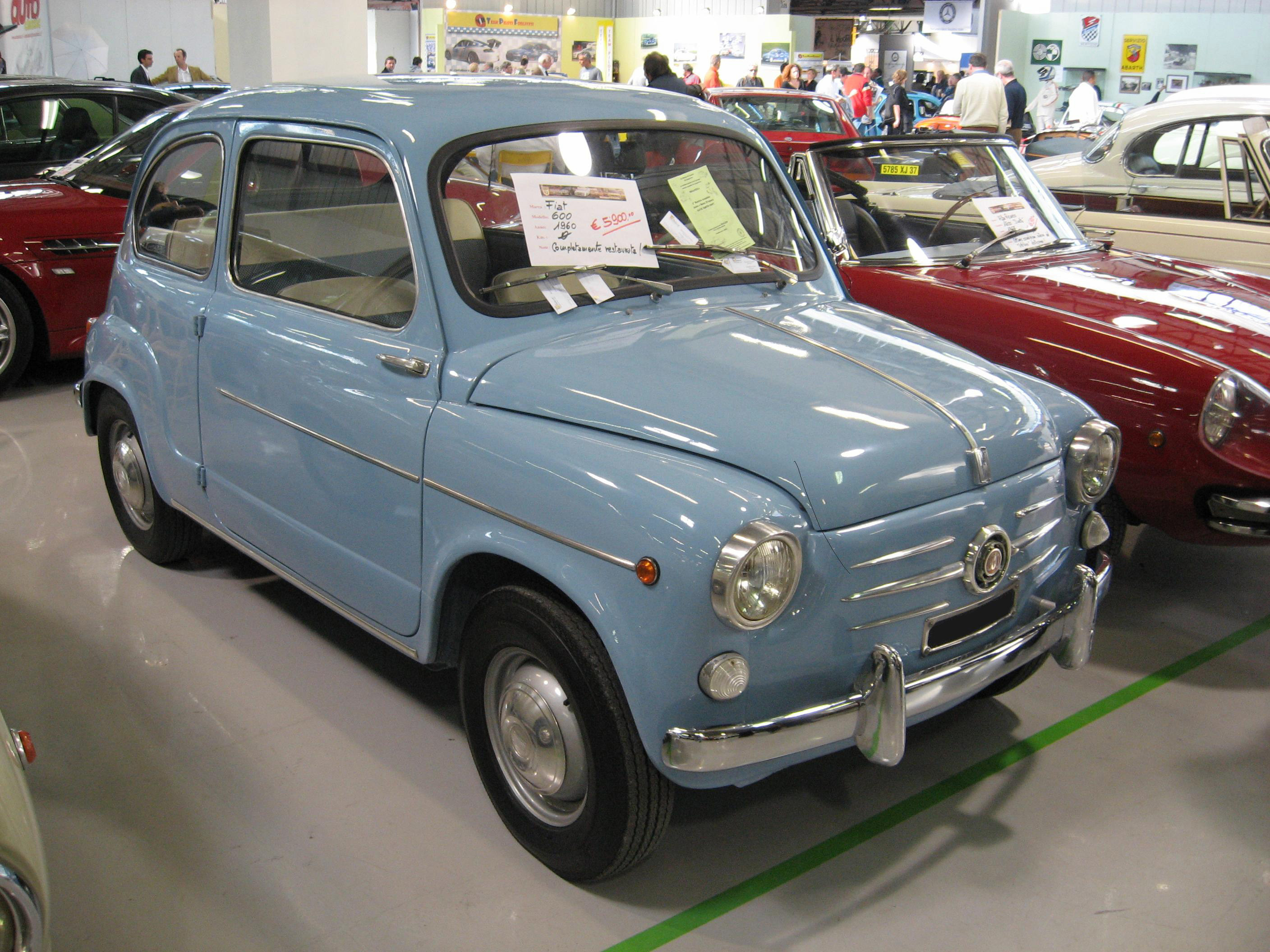 File:Fiat 600 third series of 1960 at oldtimer show in Forli (Italy