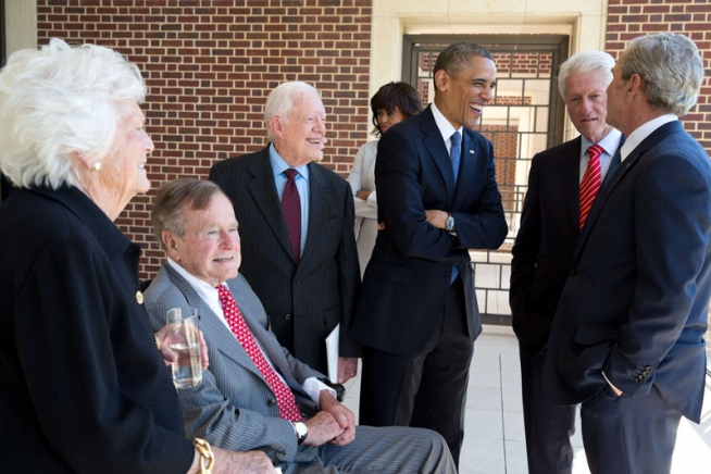 File:Five U.S. presidents in 2013.jpg - Wikimedia Commons