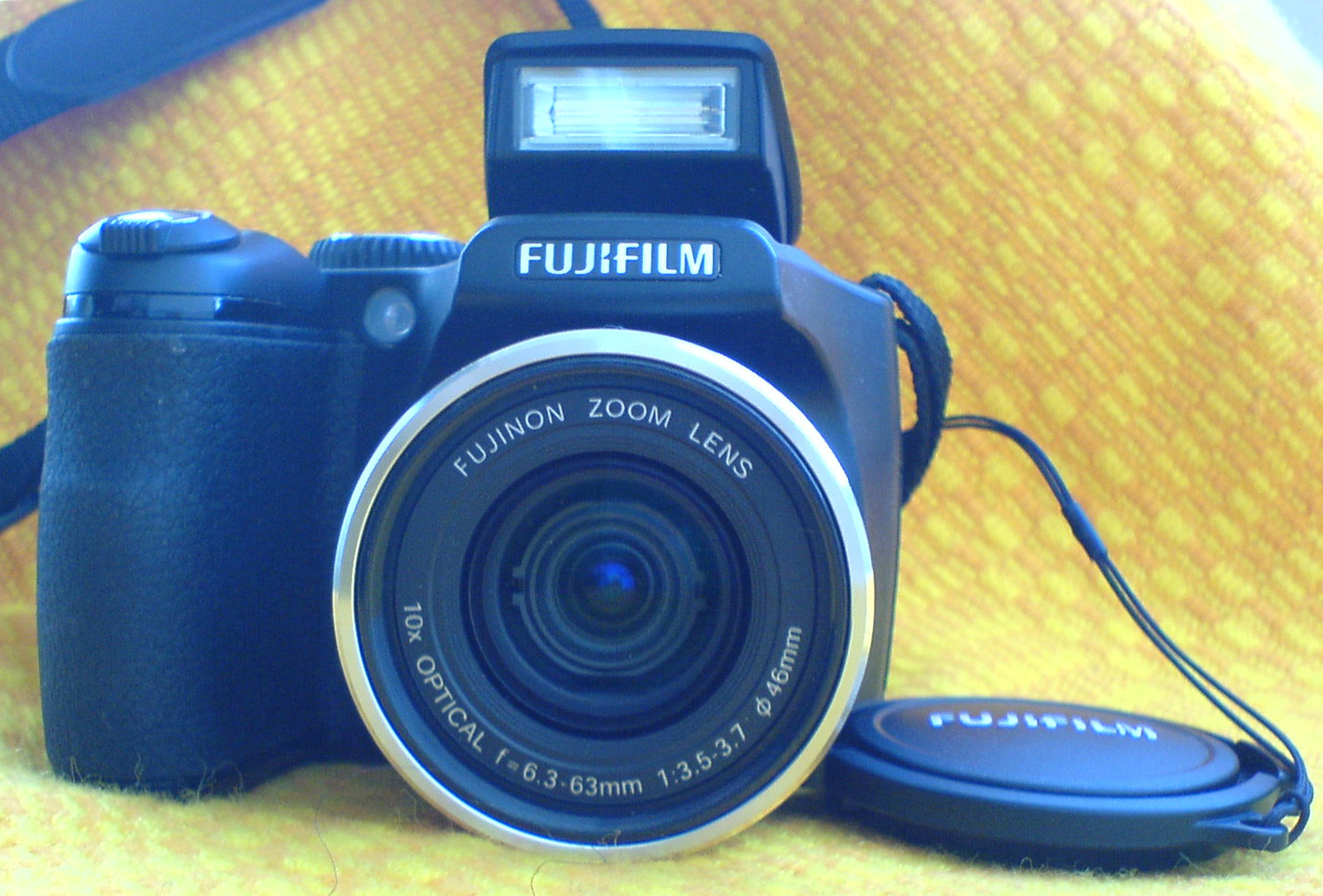 file fujifilm finepix s5700 digital camera black lens jpg rh commons wikimedia org Fujifilm S100FS Fujifilm S100FS