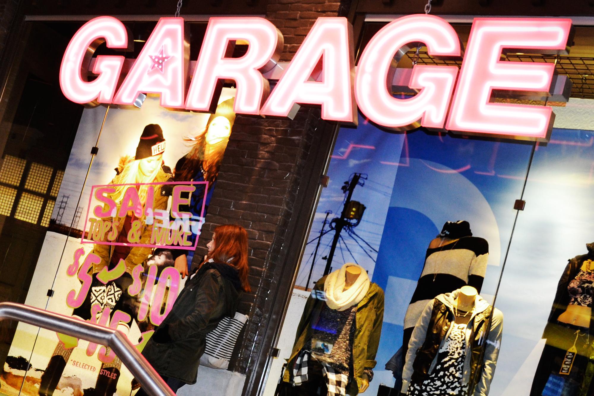 FileGarage Store In Toronto Eaton Centre