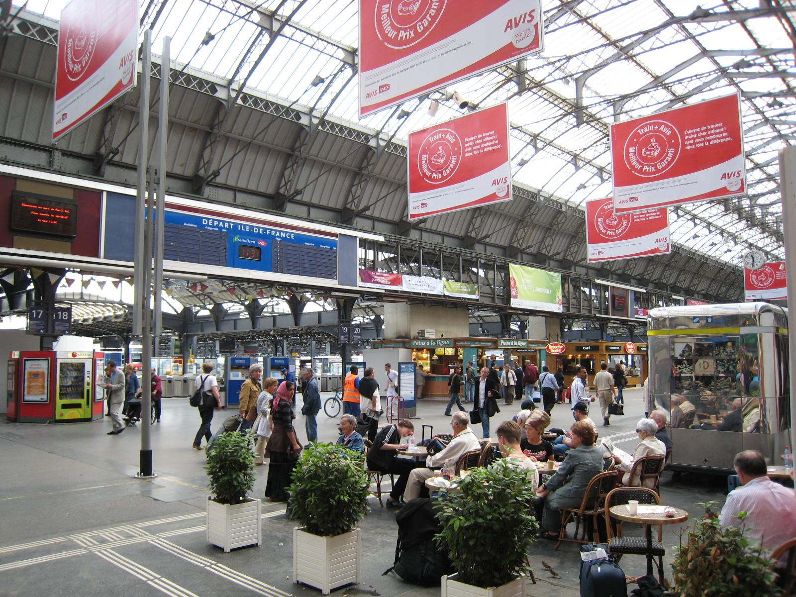 File Gare De Lest Hall Quais Jpg Wikimedia Commons