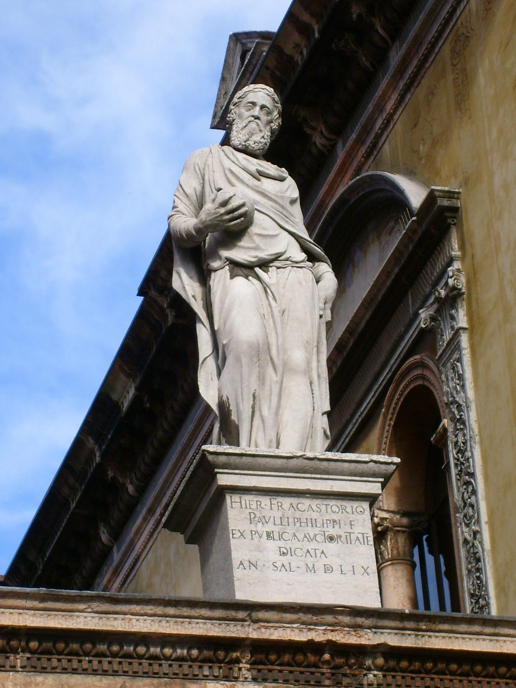 Archivo:Girolamo Fracastoro's statue in Verona 3.JPG - Wikipedia ...