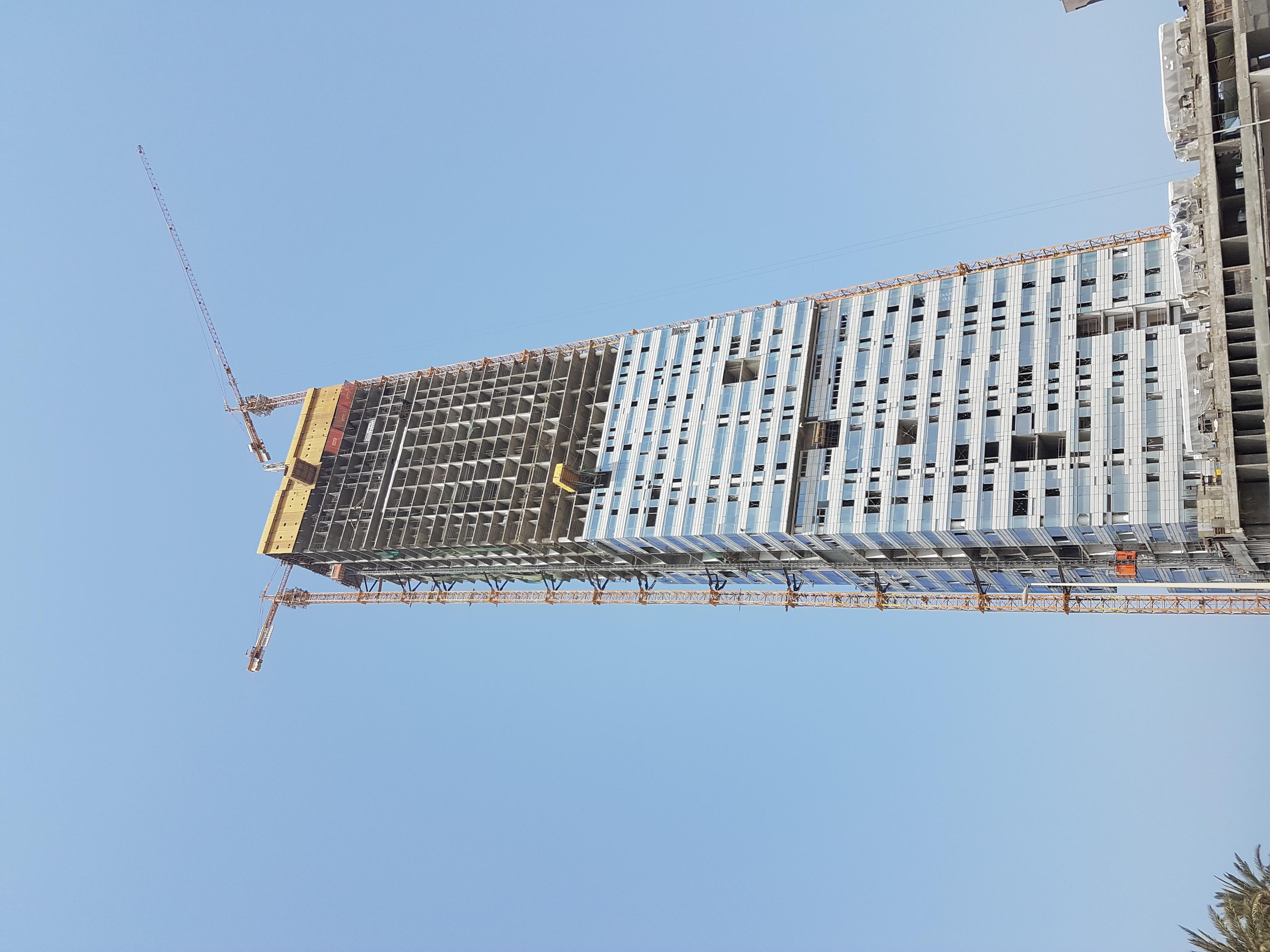 file golden tower jeddah 001     wikimedia commons