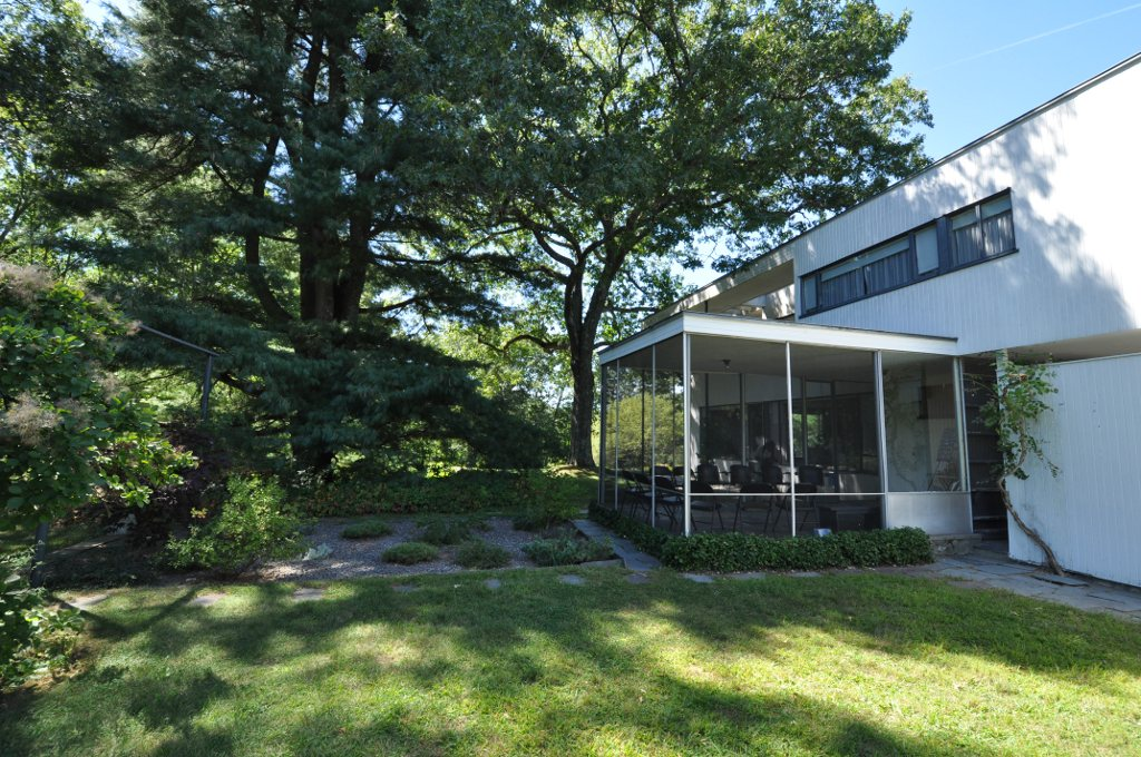 Gropius House file gropius house japanese garden and patio jpg wikimedia commons