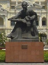 Hồ Chí Minh statue outside Saigon City Hall, H...