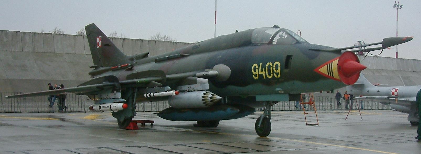 المقاتلات القاذفه Su-17/20/22 السوفييتيه Krzesiny_43RB