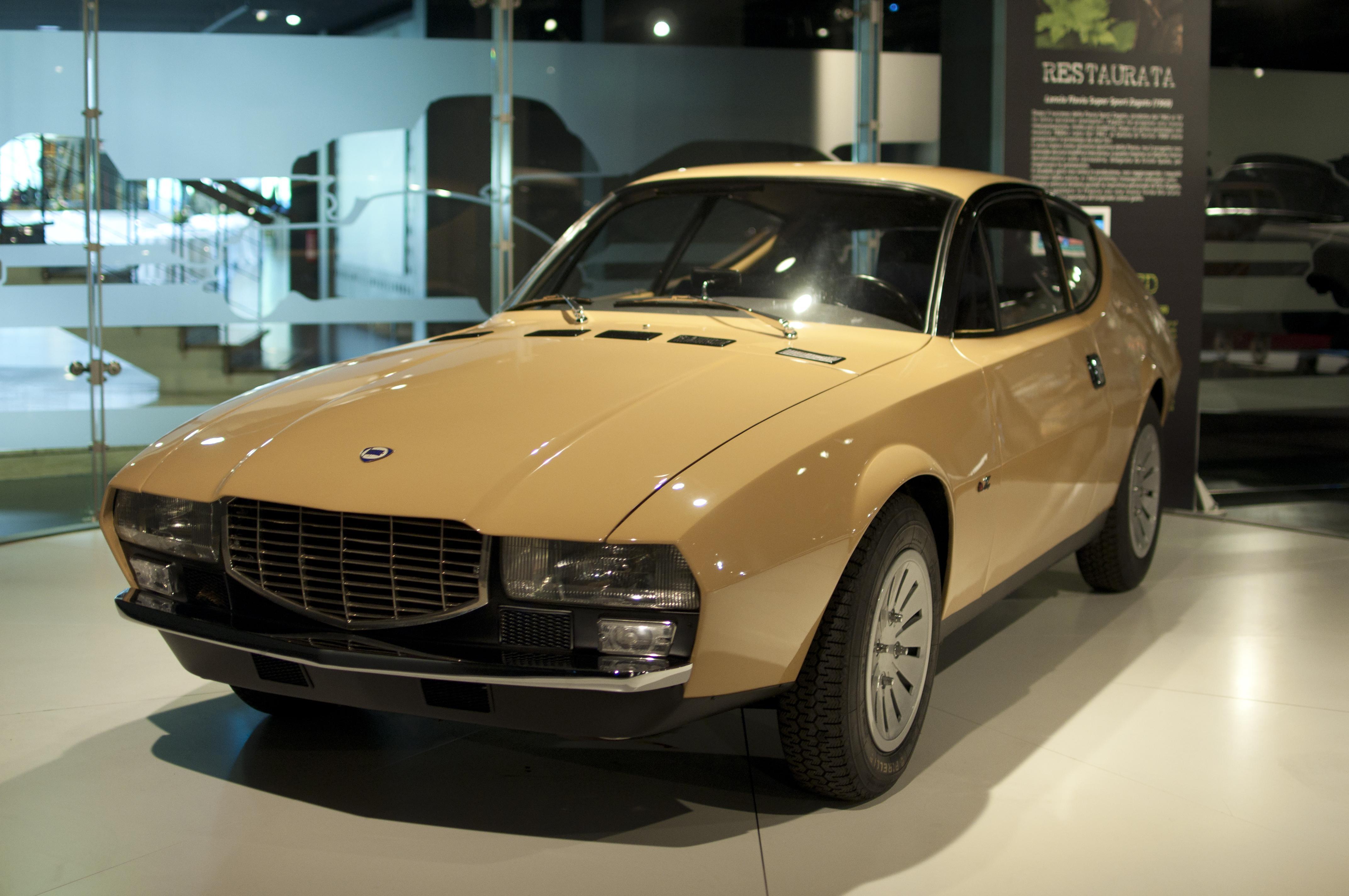 https://upload.wikimedia.org/wikipedia/commons/d/dc/Lancia_Flavia_Super_Sport_%2818095192871%29.jpg