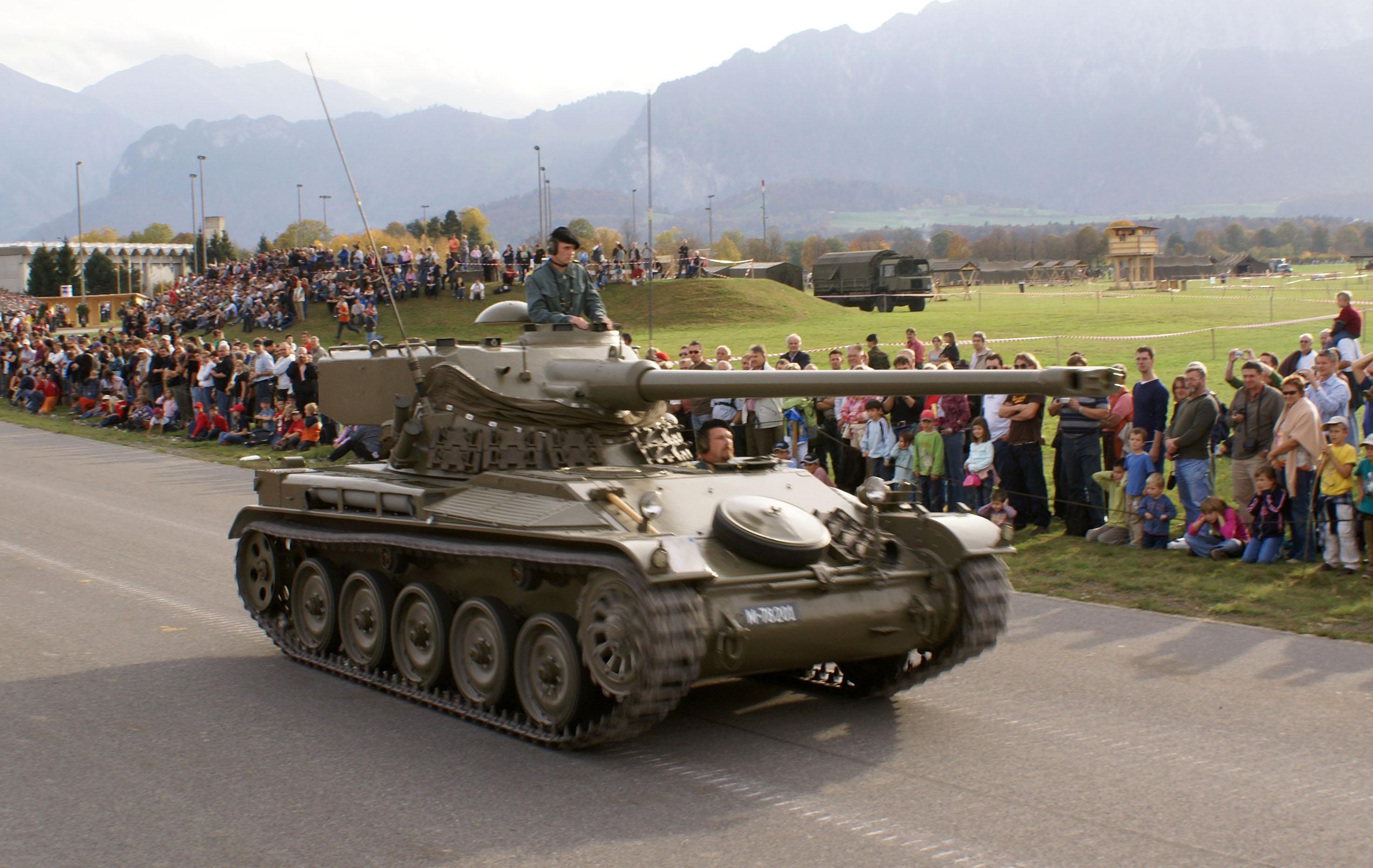 File Leichter Panzer 51 Steel Parade 2006 Jpg