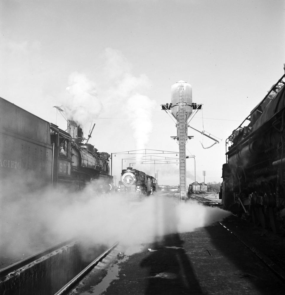 File:Locomotive Service Yard, Texas And Pacific Railway