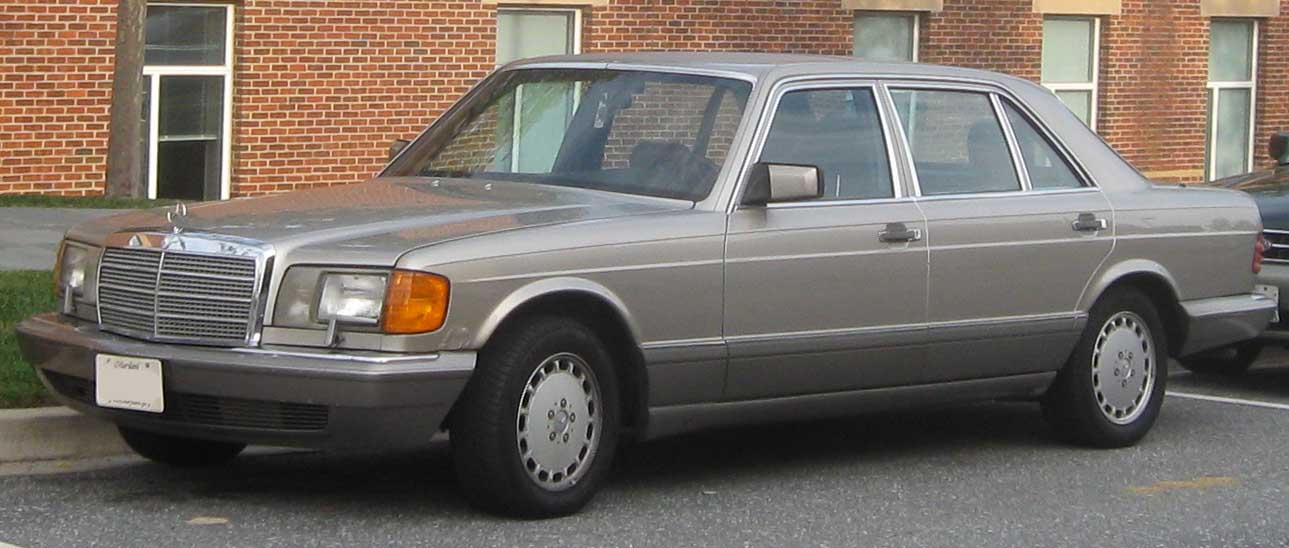 File mercedes benz wikimedia commons for Mercedes benz w126