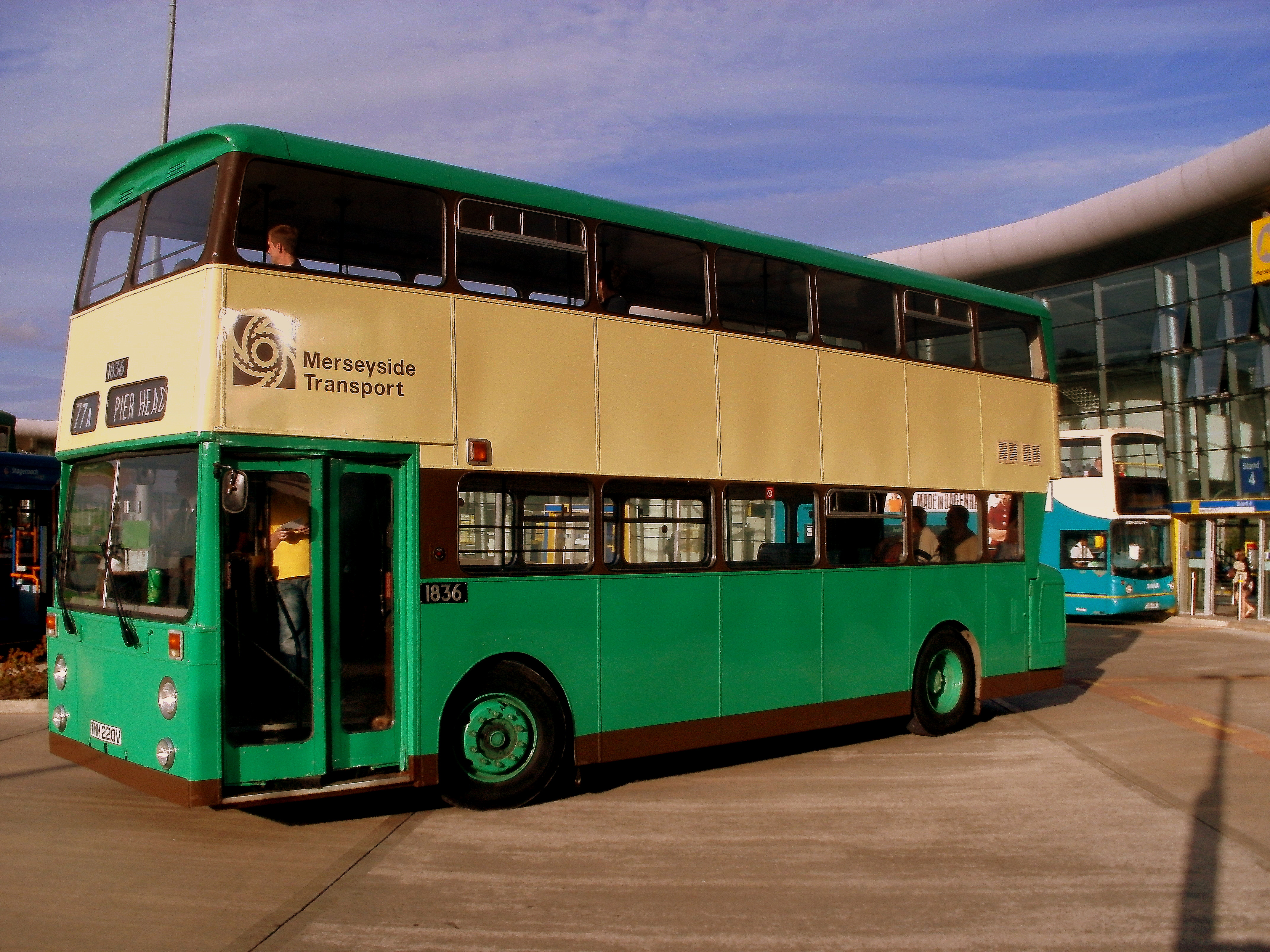 File West Midlands Travel Bus 26l07 Jpg Wikipedia The Free