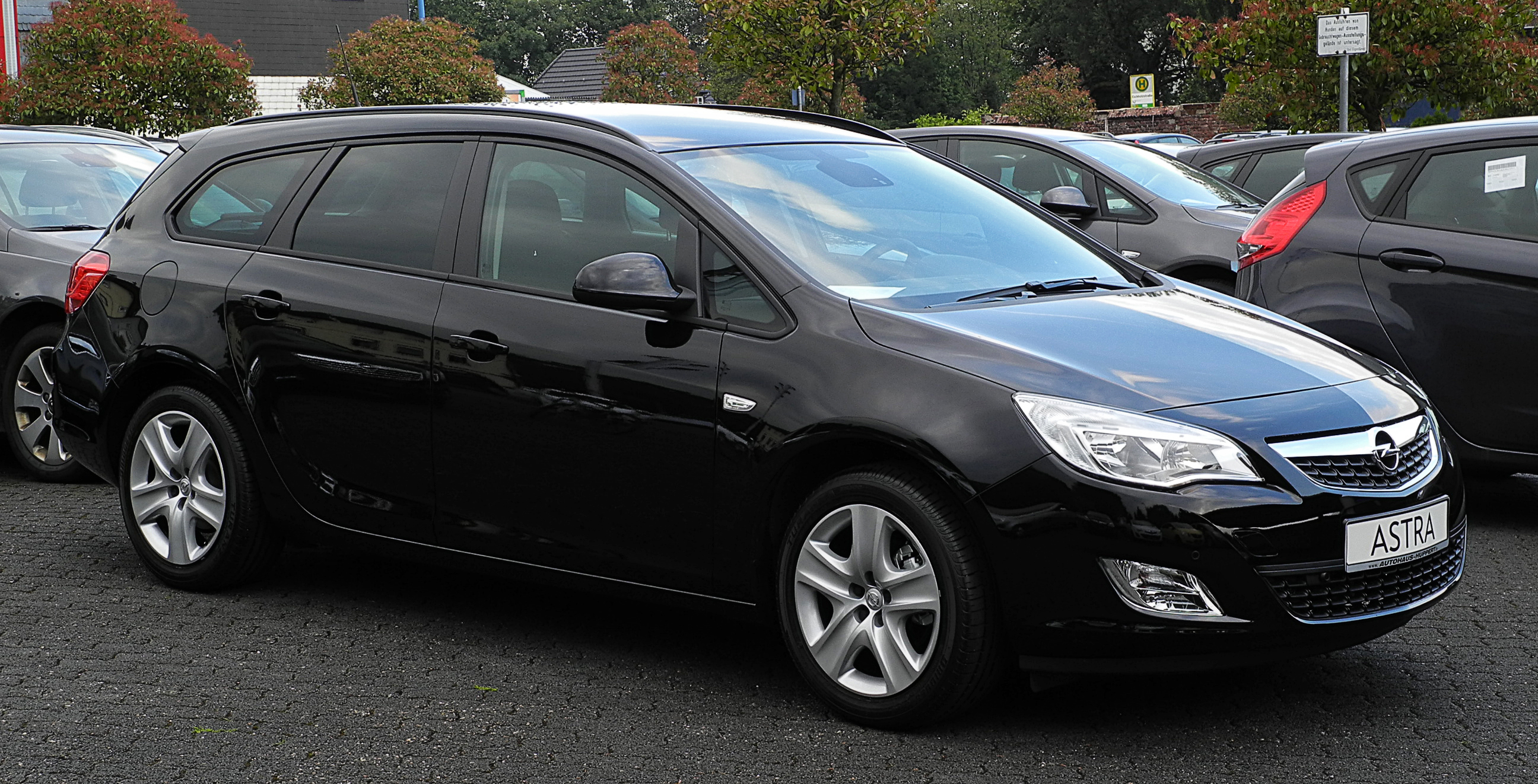 Delightful File:Opel Astra Sports Tourer 1.6 Design Edition (J) U2013 Frontansicht (1