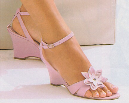 File:Pink wedge-heeled sandals.jpg