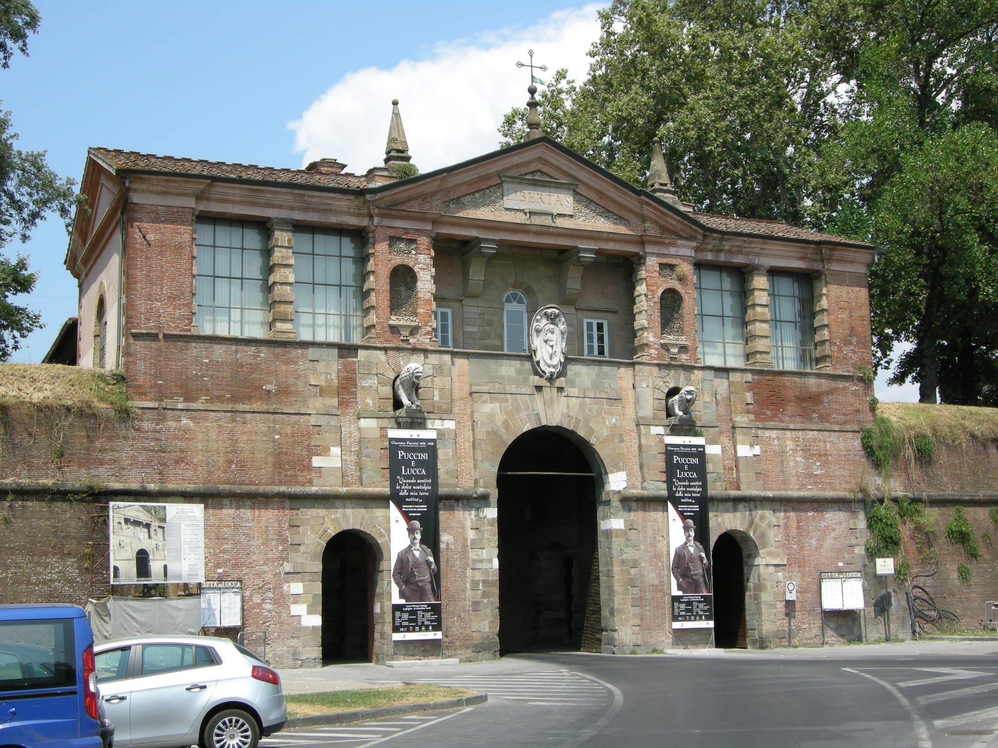 file porta san pietro lucca 12 jpg wikimedia commons