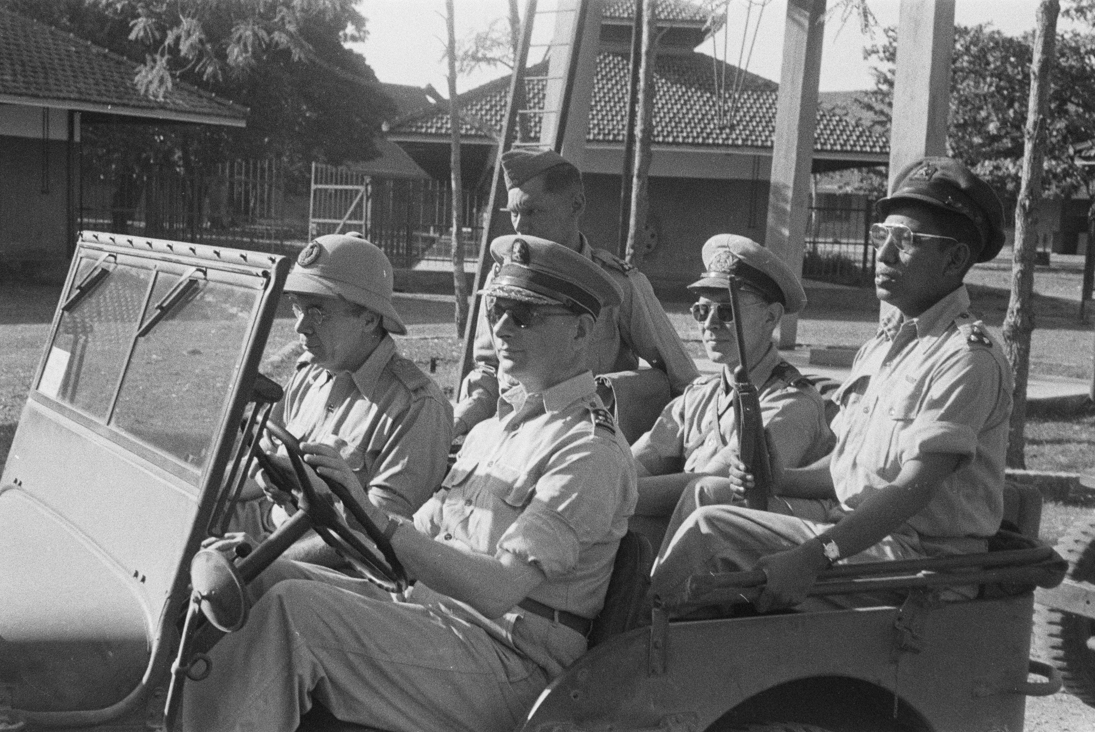 Tahija (far right) with [[Simon Spoor