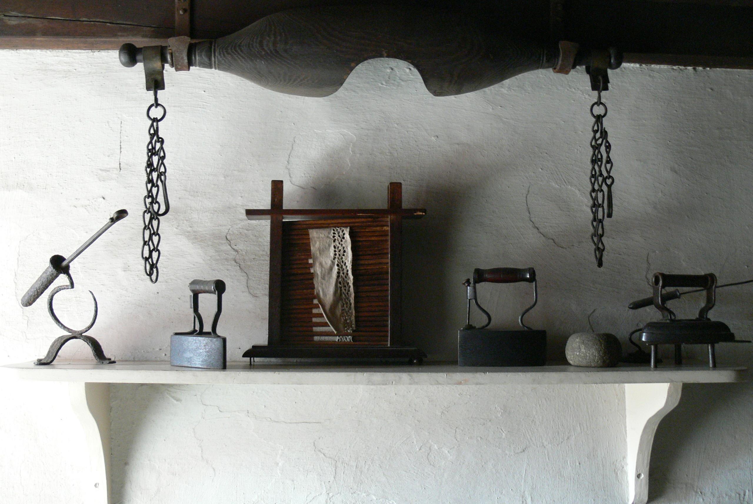 Wohnzimmerz: Regal Küche With File:SFHNM Kennixton Farm Küche Regal ...